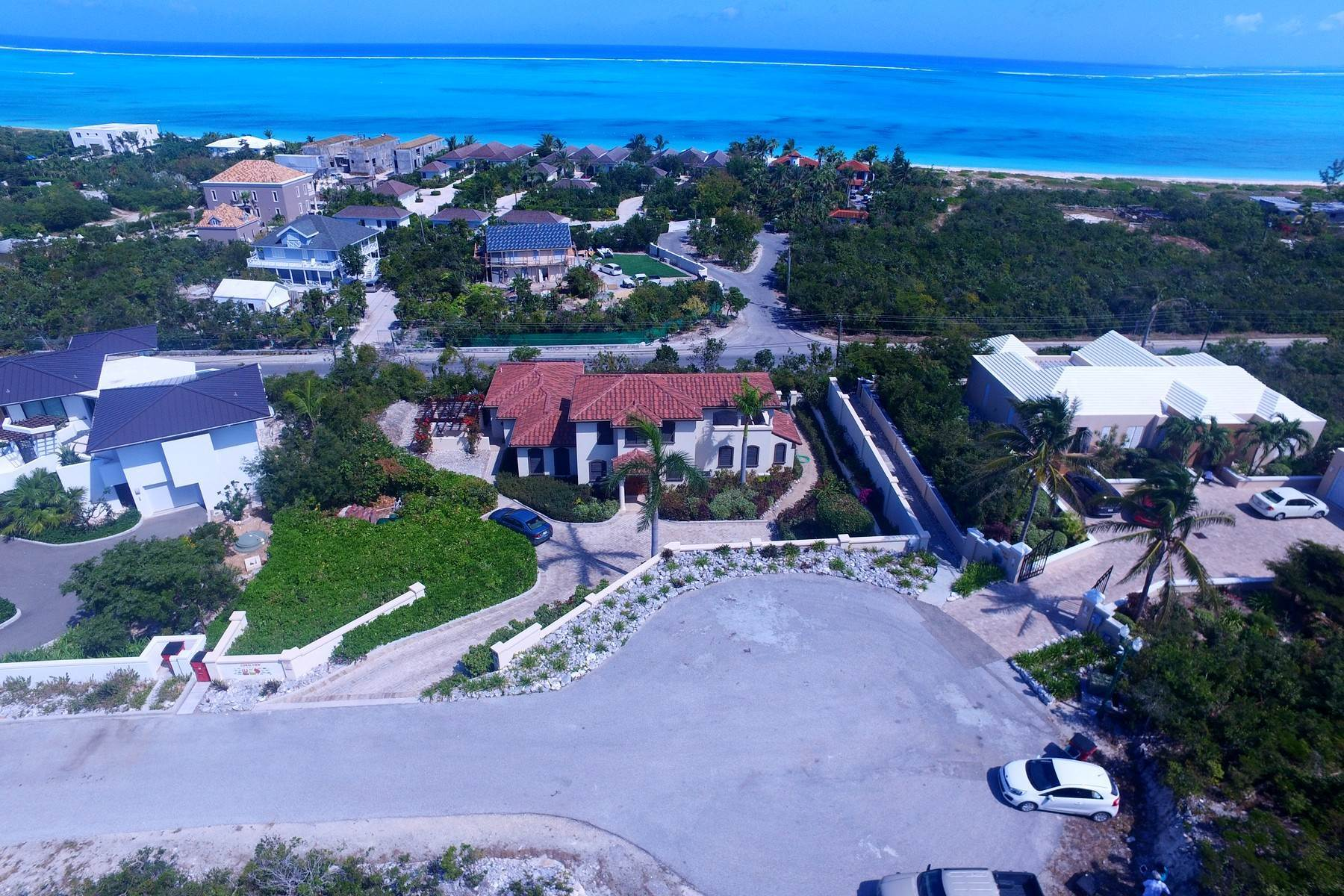 27. Single Family Homes for Sale at Coral View Villa Richmond Hill, Providenciales Turks And Caicos Islands