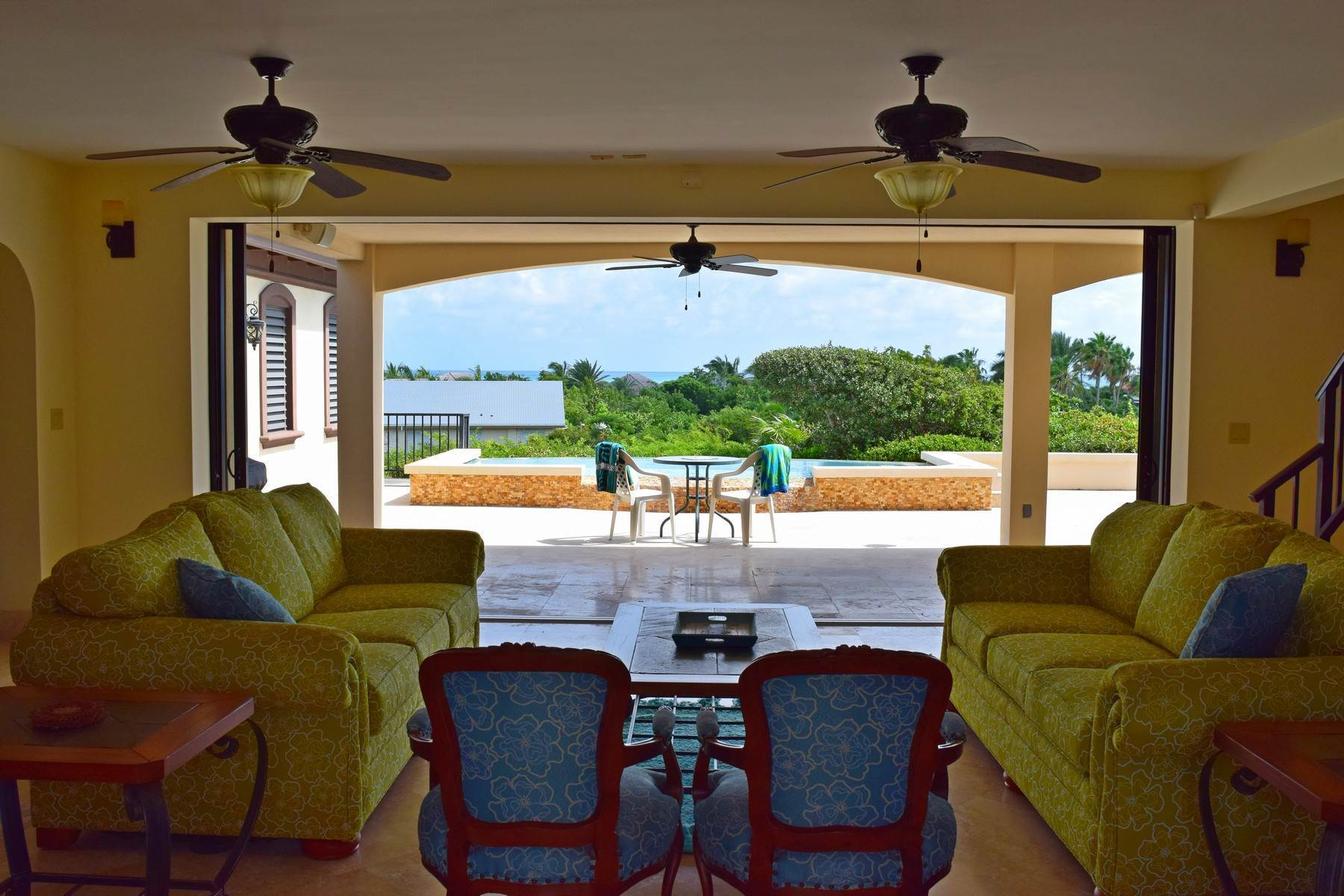 5. Single Family Homes for Sale at Coral View Villa Richmond Hill, Providenciales Turks And Caicos Islands