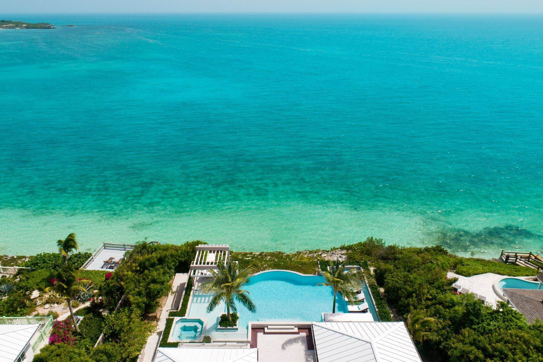 20. Single Family Homes for Sale at Villa Lucas Sapodilla Bay, Providenciales Turks And Caicos Islands