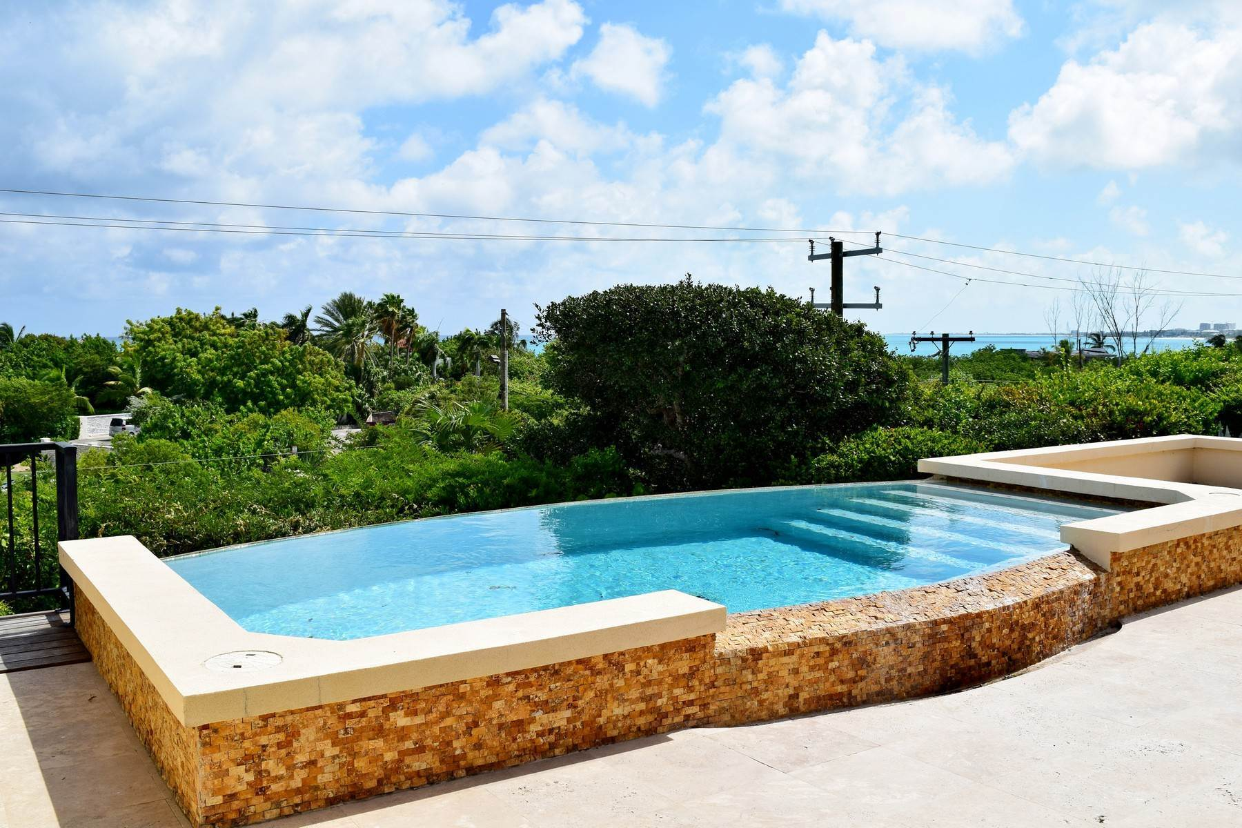 6. Single Family Homes for Sale at Coral View Villa Richmond Hill, Providenciales Turks And Caicos Islands