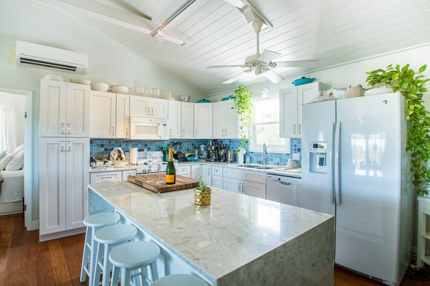 5. Single Family Homes for Sale at House on Crawfish Drive Discovery Bay, Providenciales Turks And Caicos Islands