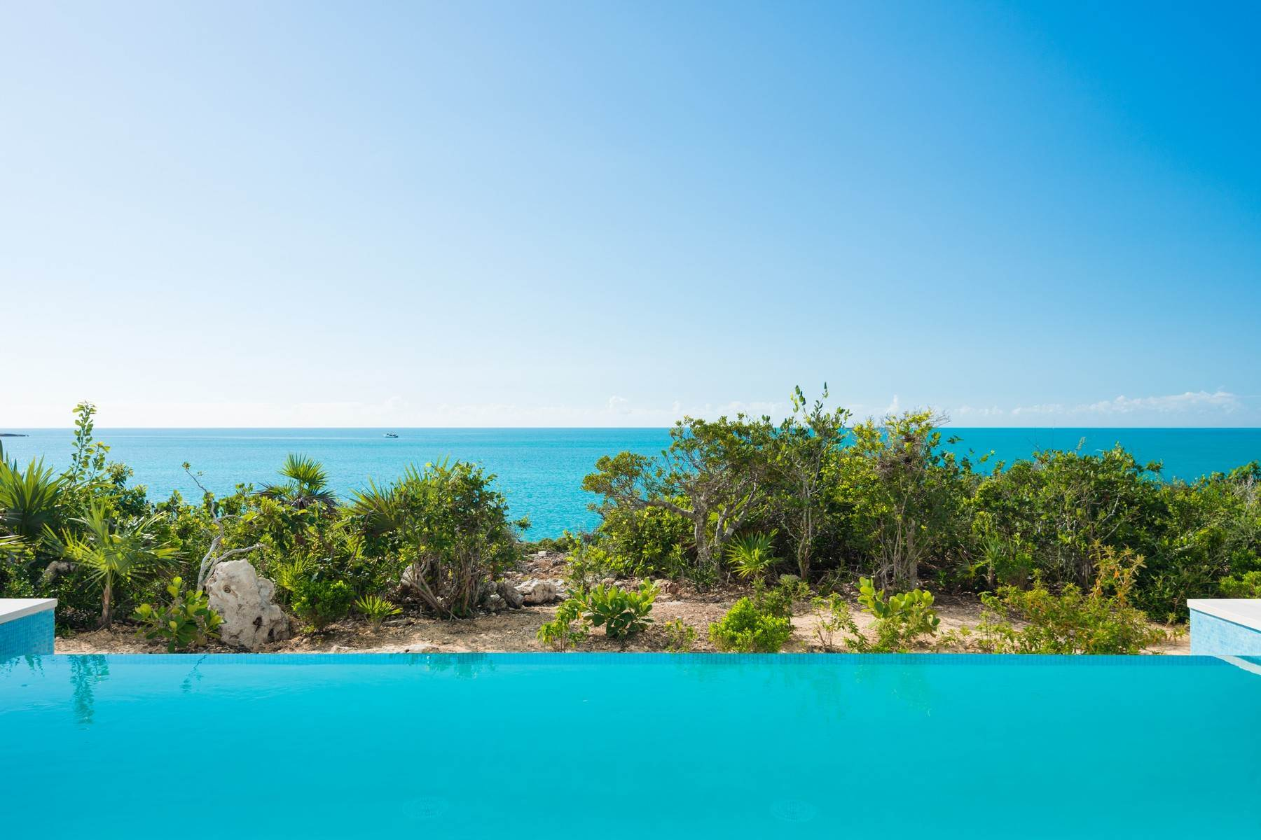 27. Single Family Homes for Sale at SOL Y LUNA Sapodilla Bay, Providenciales Turks And Caicos Islands