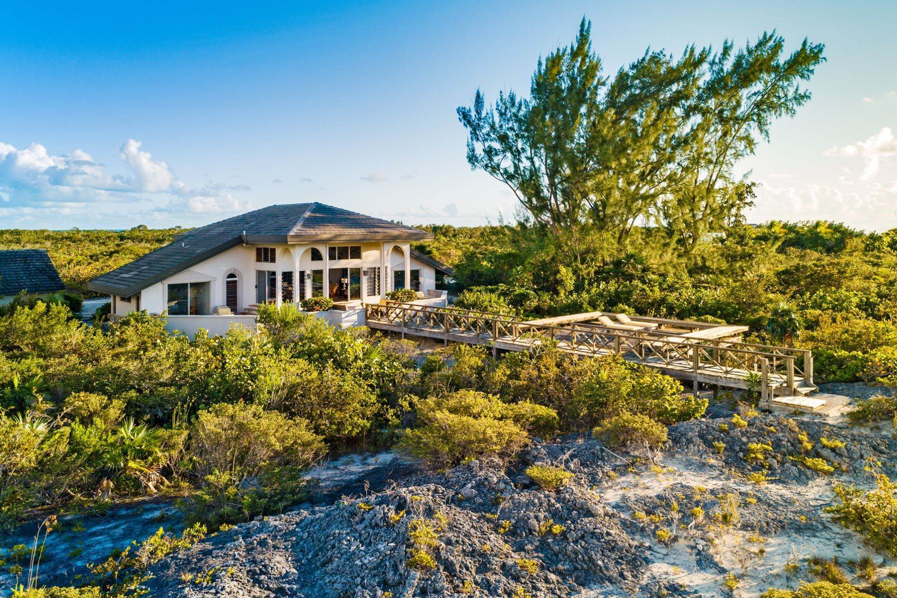 20. Single Family Homes for Sale at Casuarinas Cottage Pine Cay Pine Cay, Pine Cay TCI BWI Turks And Caicos Islands