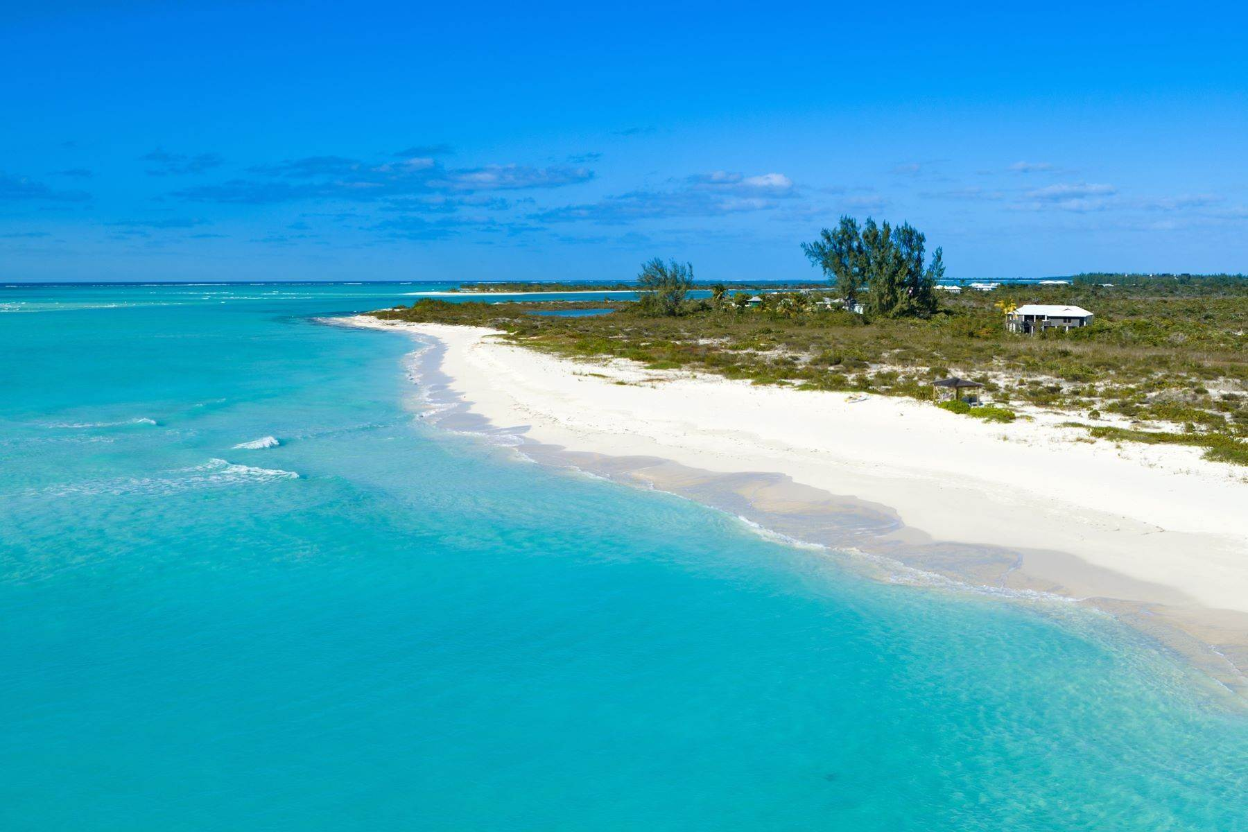 18. Single Family Homes for Sale at LEMONGRASS Pine Cay, Pine Cay Turks And Caicos Islands