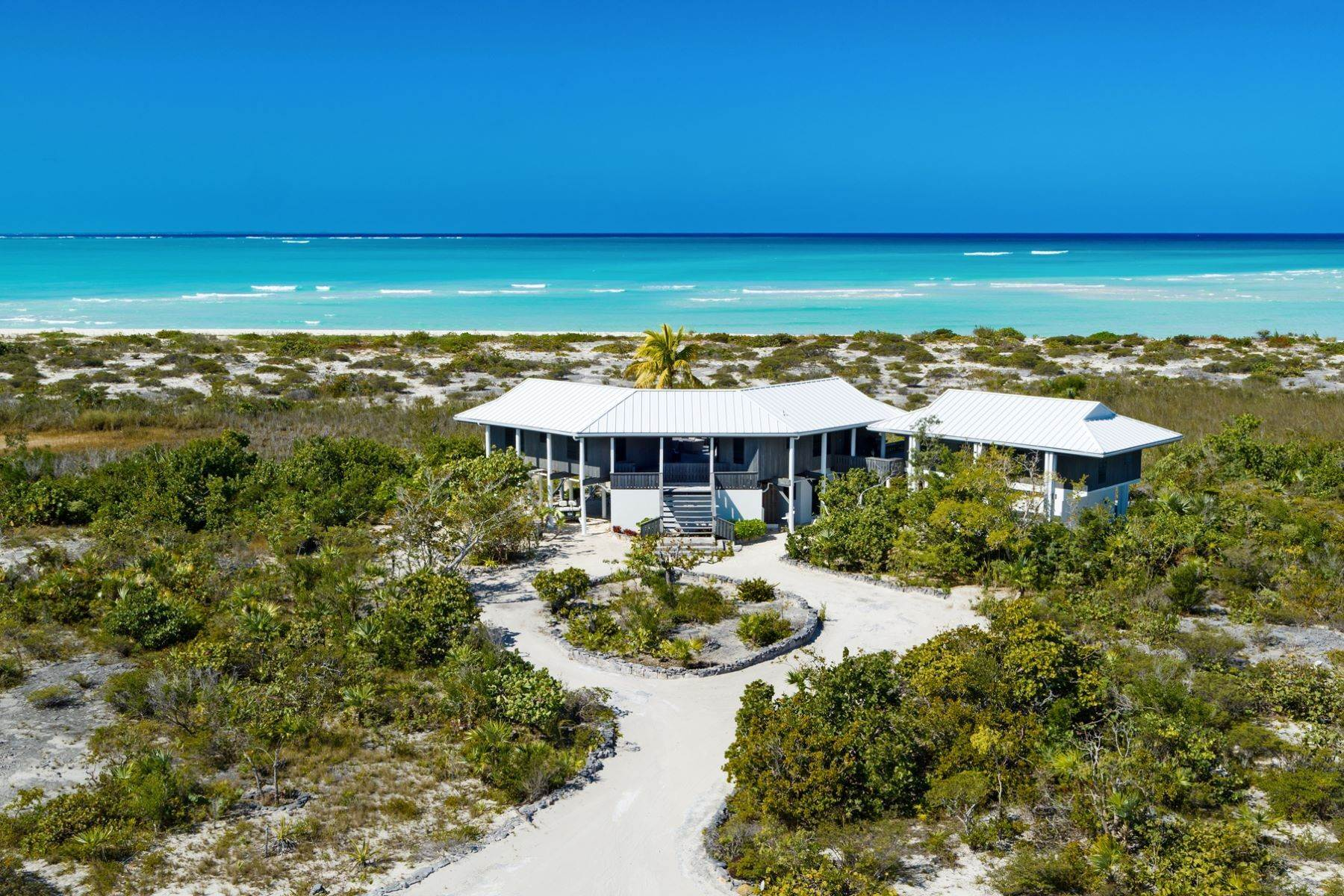 13. Single Family Homes for Sale at LEMONGRASS Pine Cay, Pine Cay Turks And Caicos Islands