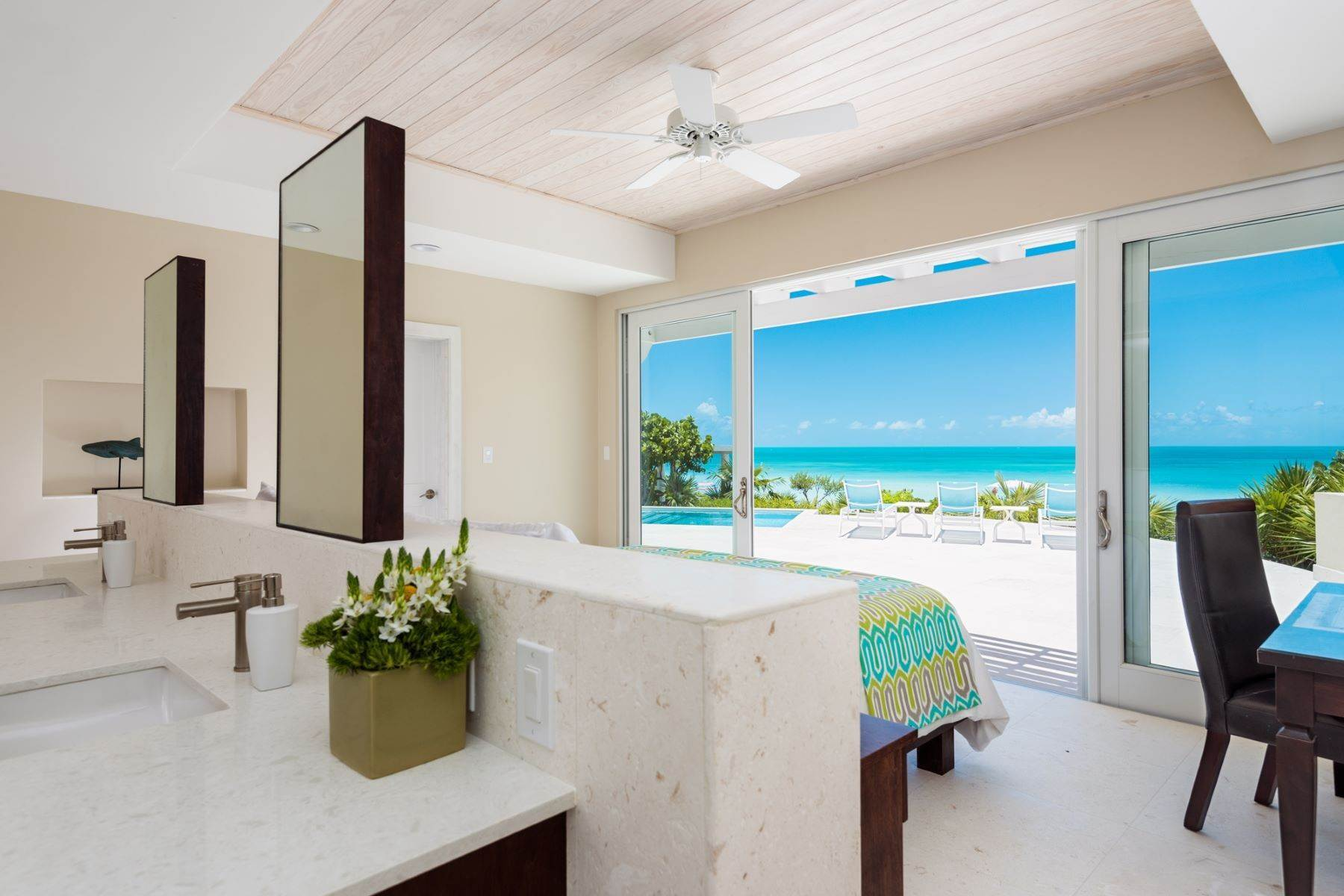 9. Single Family Homes for Sale at Sapodilla Bay, Providenciales Turks And Caicos Islands