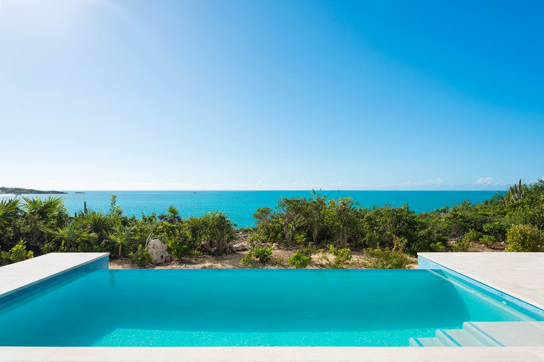 26. Single Family Homes for Sale at SOL Y LUNA Sapodilla Bay, Providenciales Turks And Caicos Islands