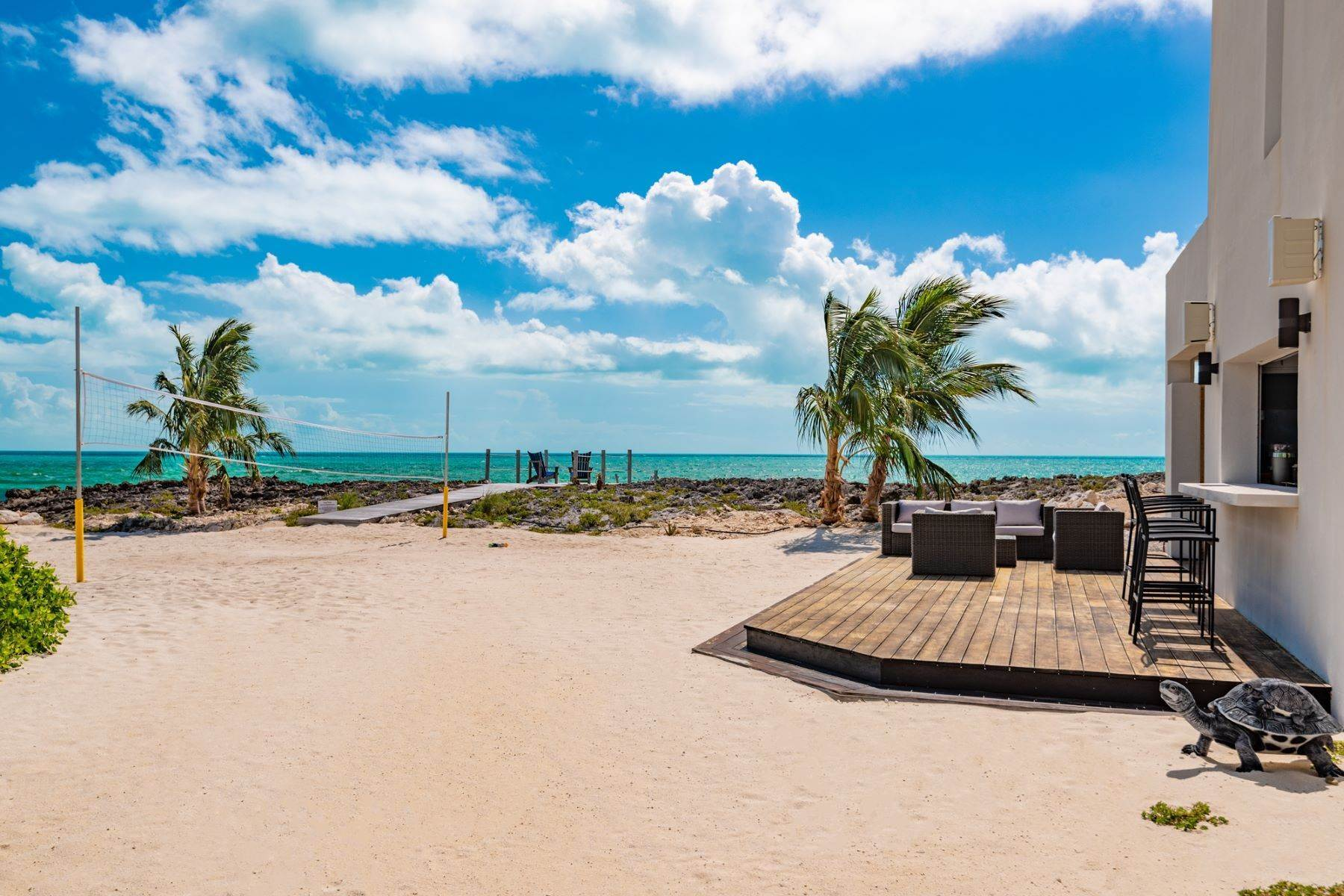 24. Single Family Homes for Sale at Tip Of The Tail Villa Turtle Tail, Providenciales Turks And Caicos Islands