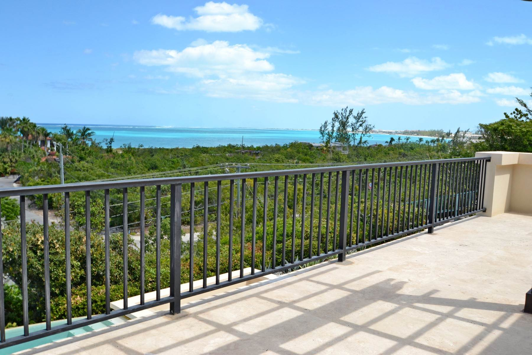 17. Single Family Homes for Sale at Coral View Villa Richmond Hill, Providenciales Turks And Caicos Islands