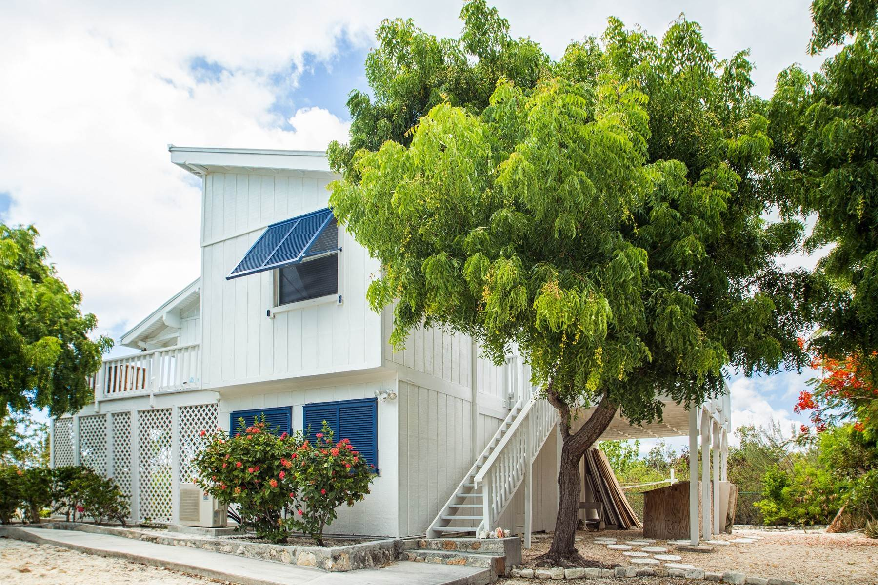19. Single Family Homes for Sale at House on Crawfish Drive Discovery Bay, Providenciales Turks And Caicos Islands