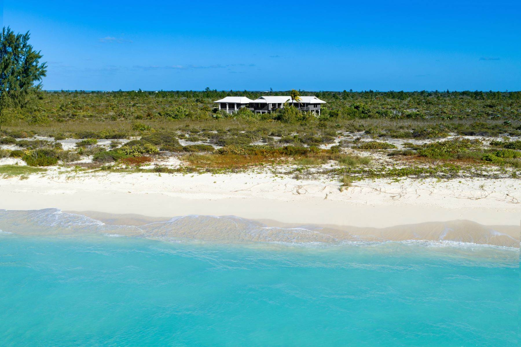 16. Single Family Homes for Sale at LEMONGRASS Pine Cay, Pine Cay Turks And Caicos Islands
