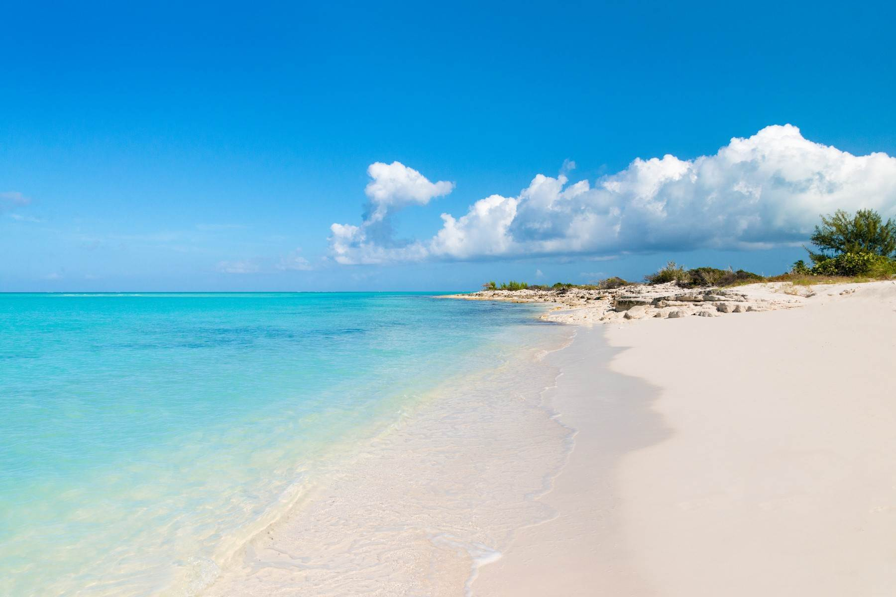 31. Single Family Homes for Sale at LEMONGRASS Pine Cay, Pine Cay Turks And Caicos Islands