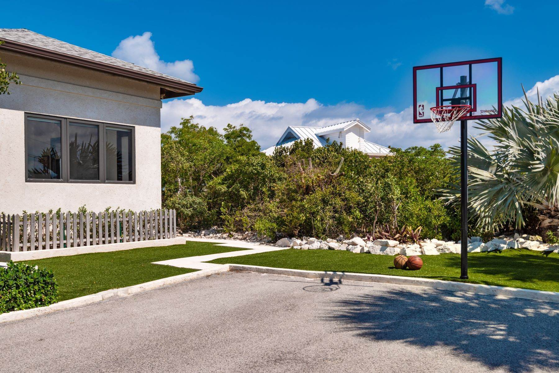 28. Single Family Homes for Sale at Long Bay, Providenciales Turks And Caicos Islands
