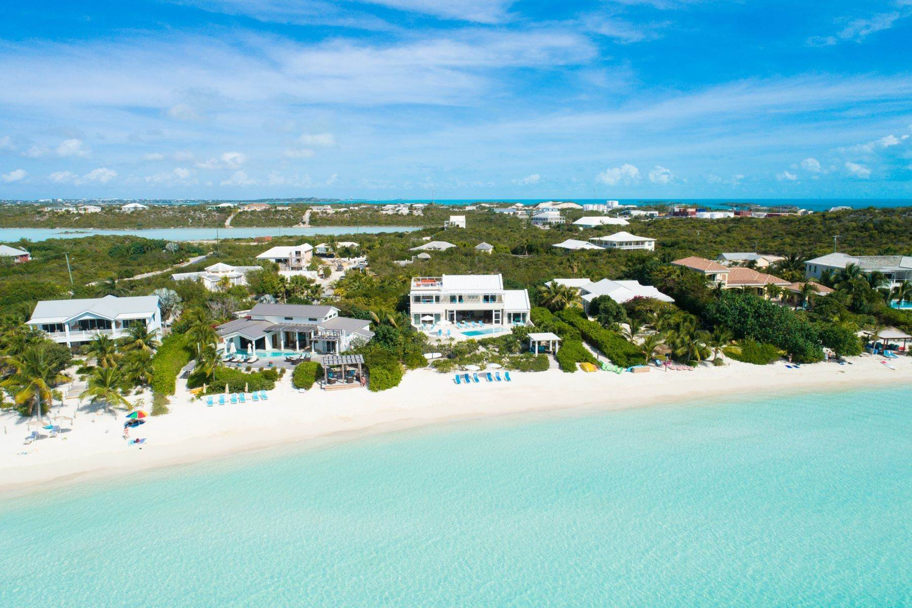 19. Single Family Homes for Sale at Sapodilla Bay, Providenciales Turks And Caicos Islands