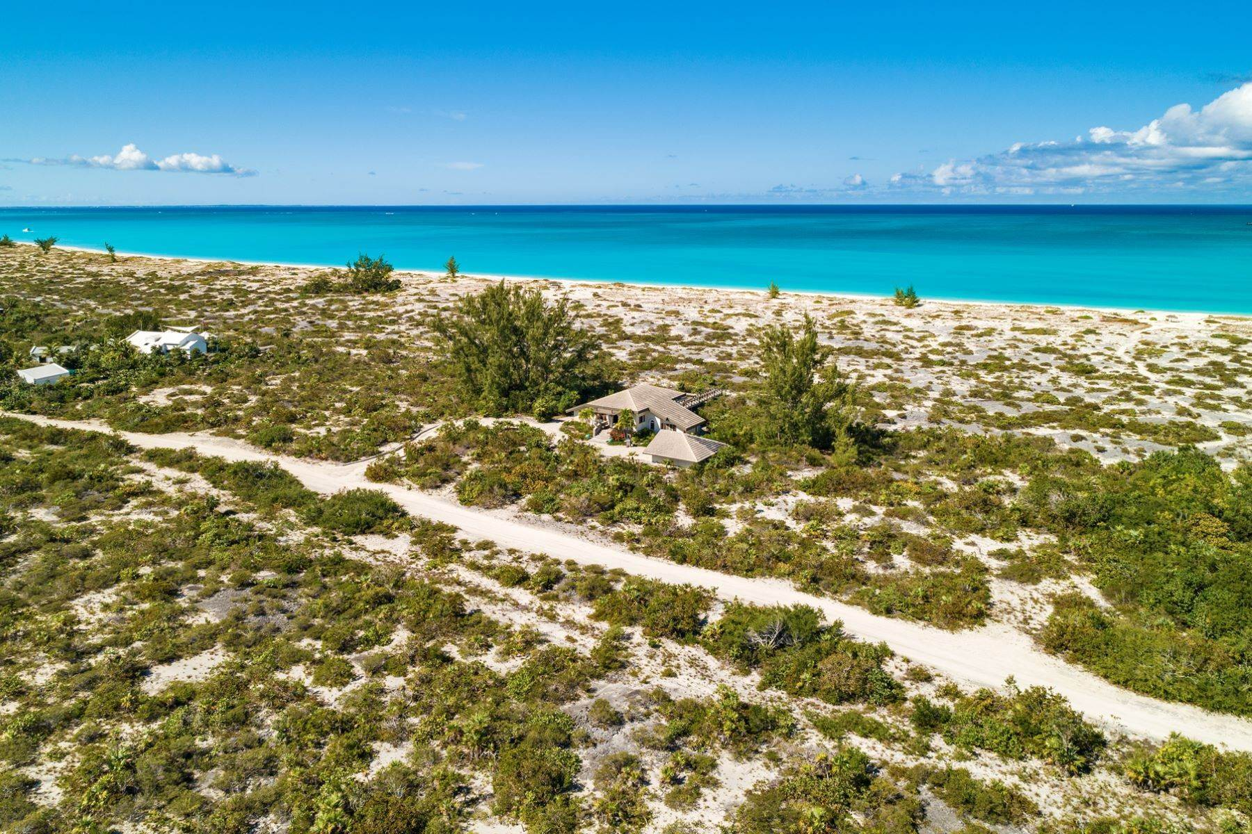 26. Single Family Homes for Sale at Casuarinas Cottage Pine Cay Pine Cay, Pine Cay TCI BWI Turks And Caicos Islands