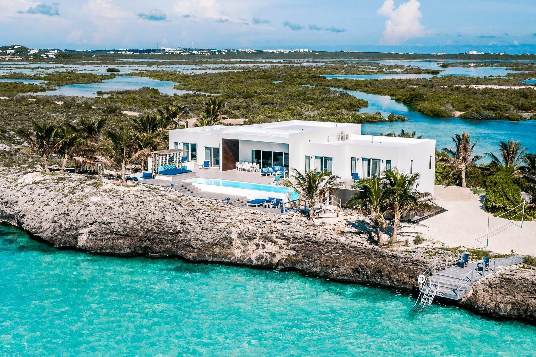 2. Single Family Homes for Sale at Tip Of The Tail Villa Turtle Tail, Providenciales Turks And Caicos Islands