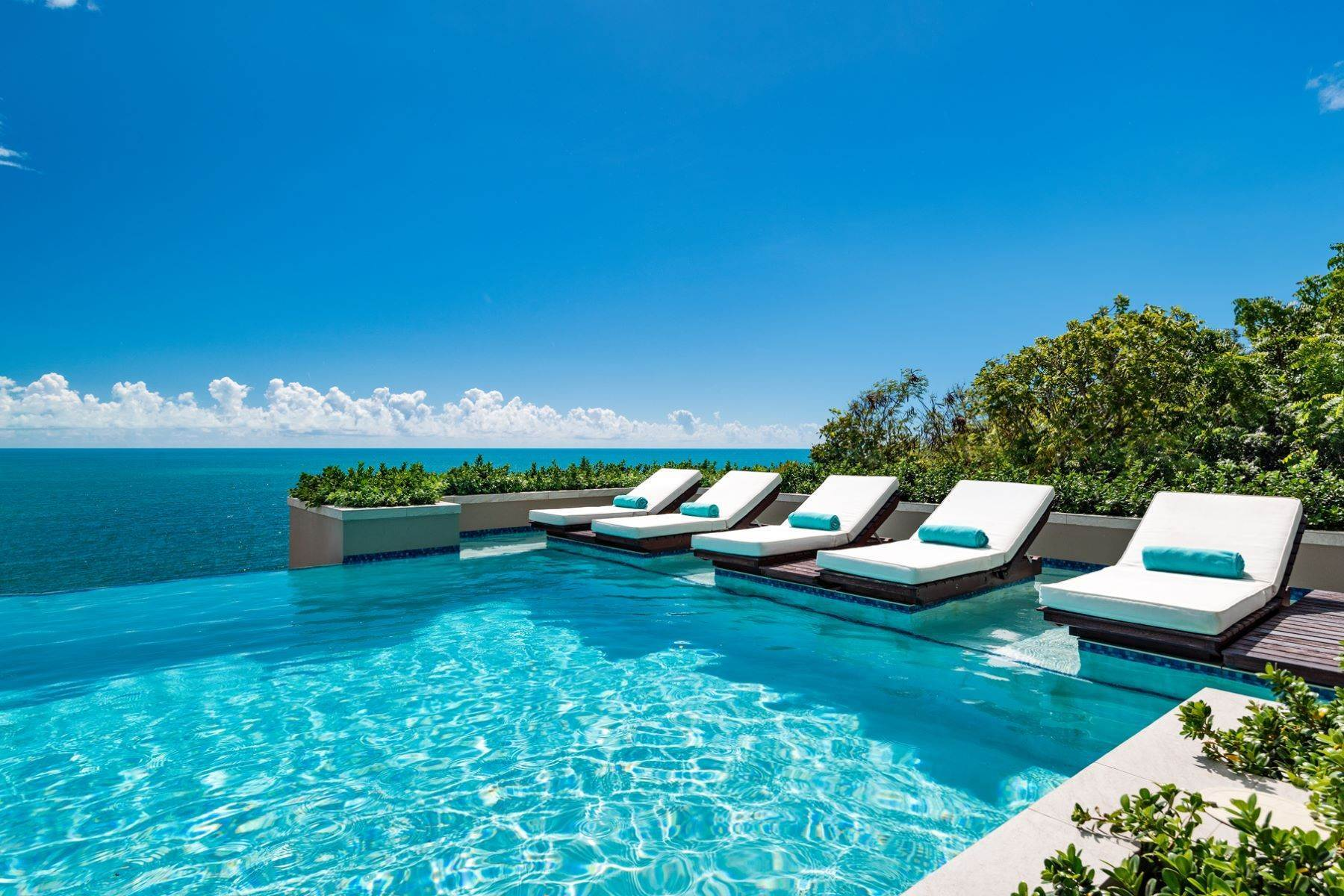 9. Single Family Homes for Sale at Villa Lucas Sapodilla Bay, Providenciales Turks And Caicos Islands