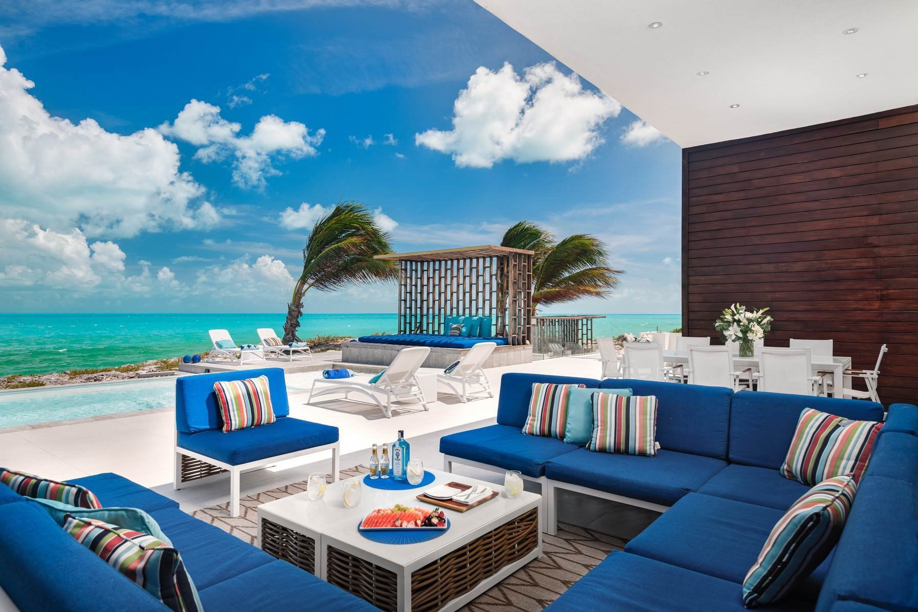 4. Single Family Homes for Sale at Tip Of The Tail Villa Turtle Tail, Providenciales Turks And Caicos Islands