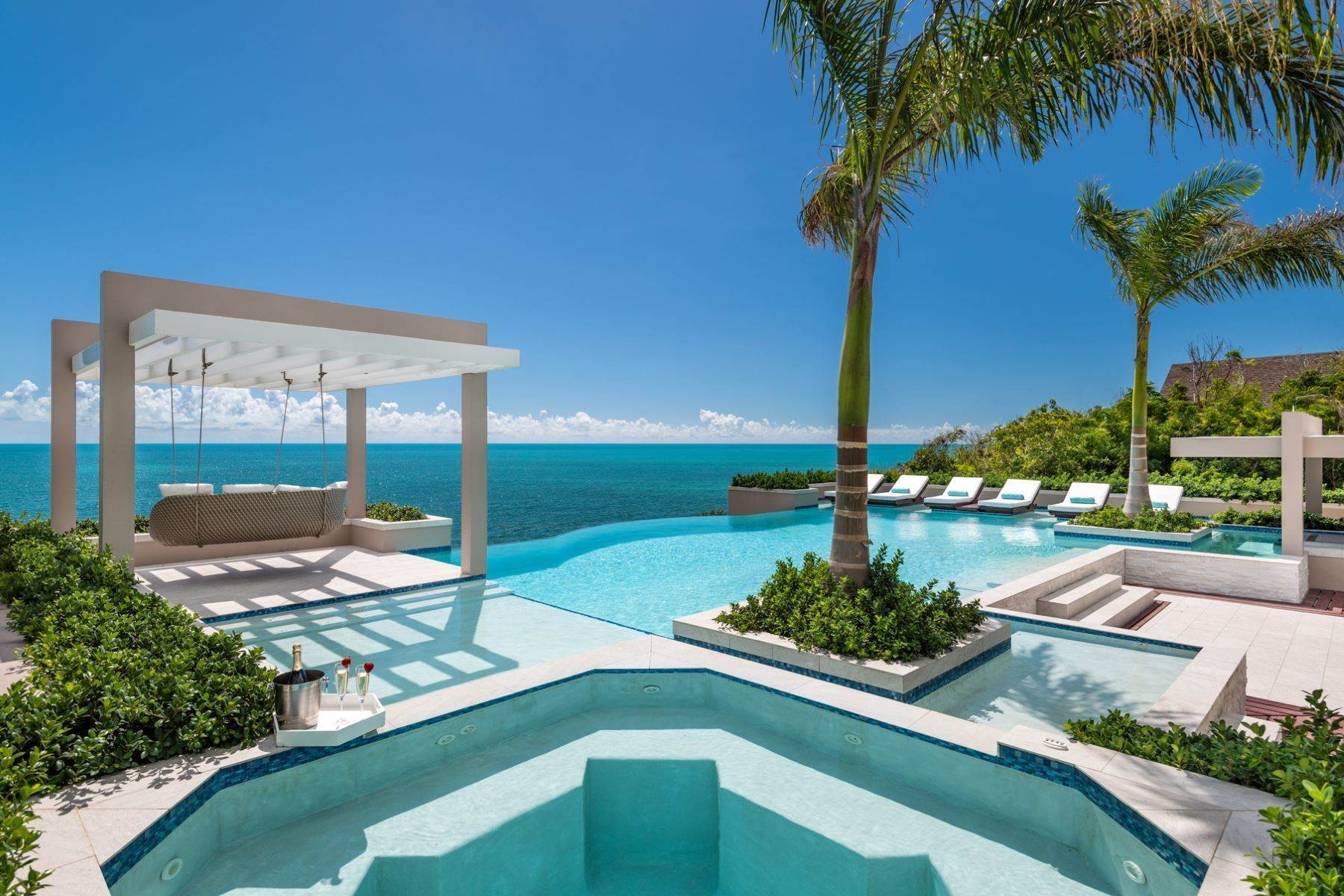 7. Single Family Homes for Sale at Villa Lucas Sapodilla Bay, Providenciales Turks And Caicos Islands