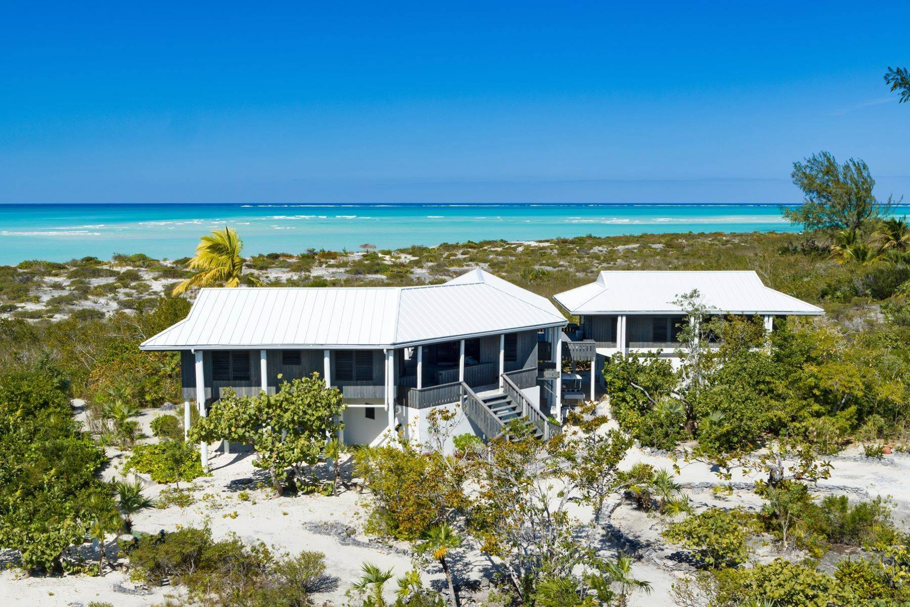 14. Single Family Homes for Sale at LEMONGRASS Pine Cay, Pine Cay Turks And Caicos Islands
