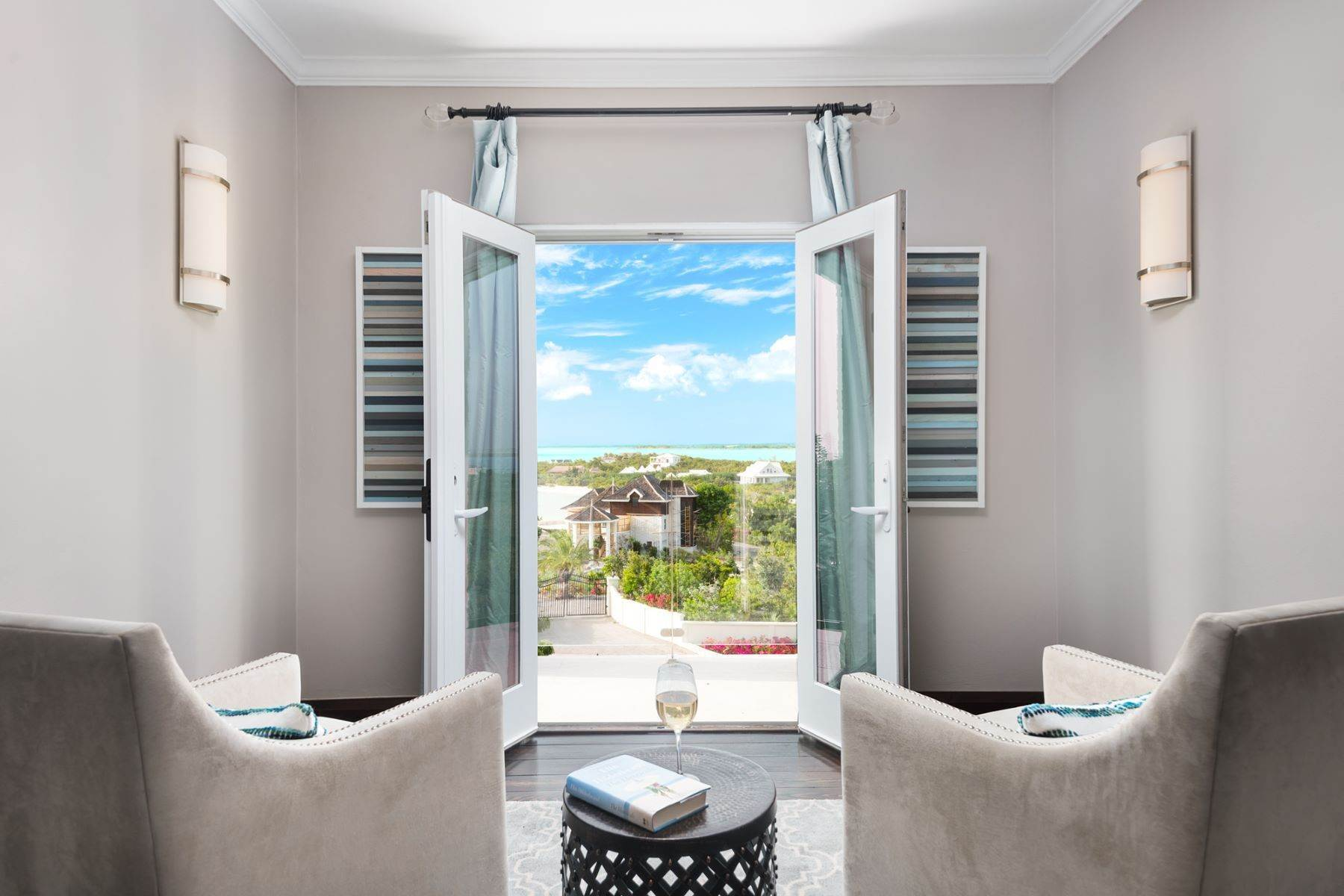 13. Single Family Homes for Sale at Villa Lucas Sapodilla Bay, Providenciales Turks And Caicos Islands