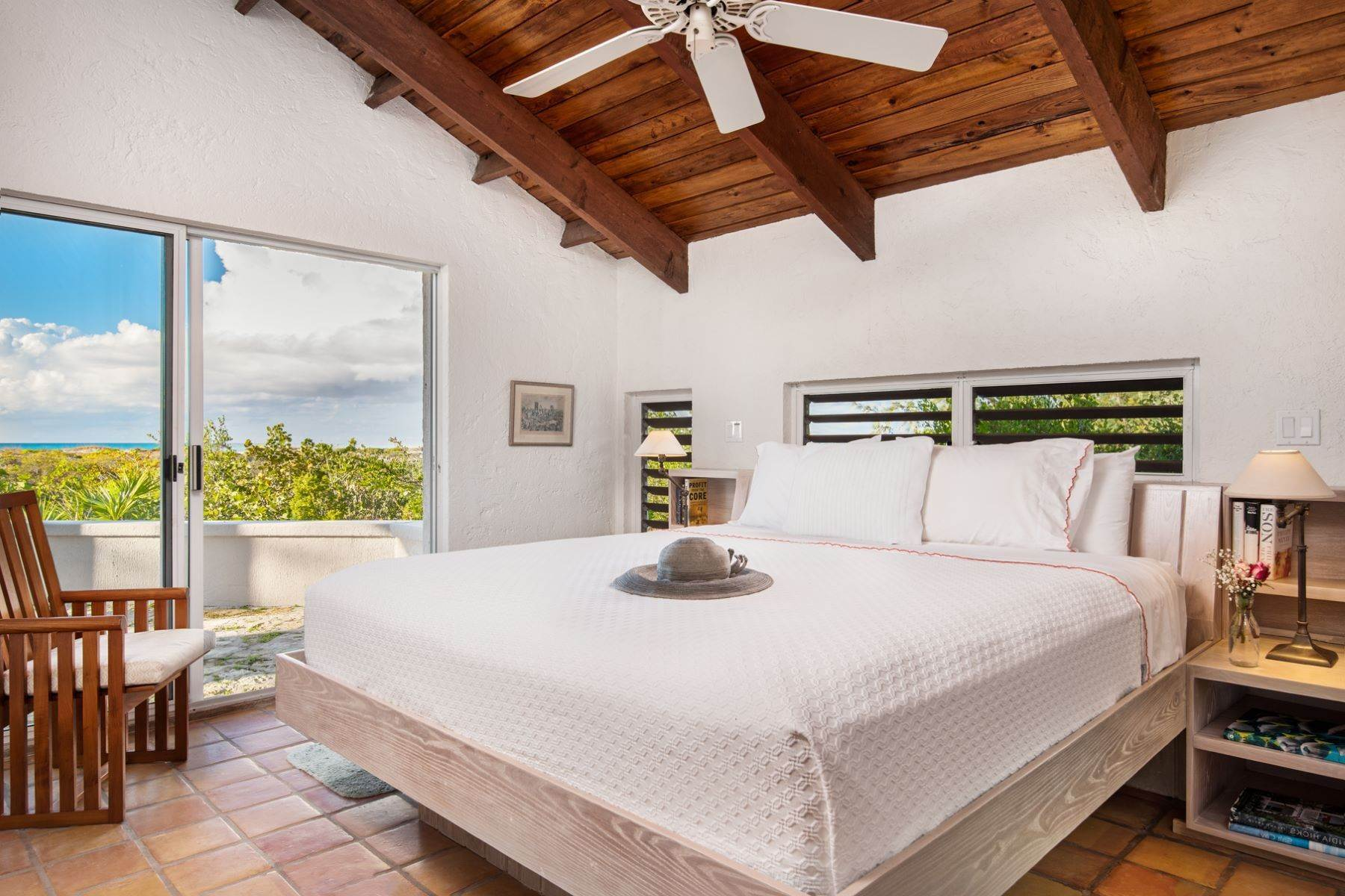 15. Single Family Homes for Sale at Casuarinas Cottage Pine Cay Pine Cay, Pine Cay TCI BWI Turks And Caicos Islands
