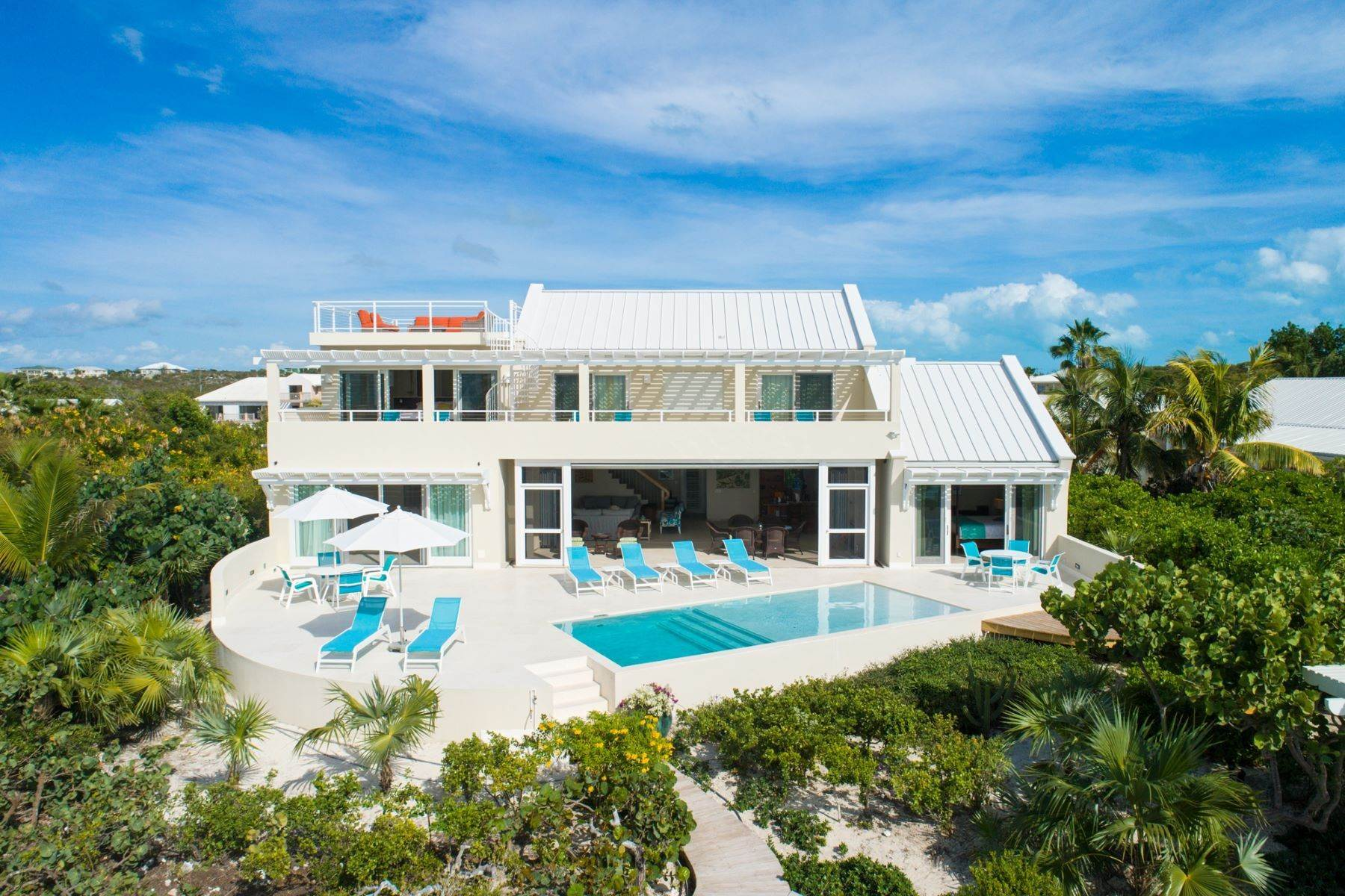 23. Single Family Homes for Sale at Sapodilla Bay, Providenciales Turks And Caicos Islands