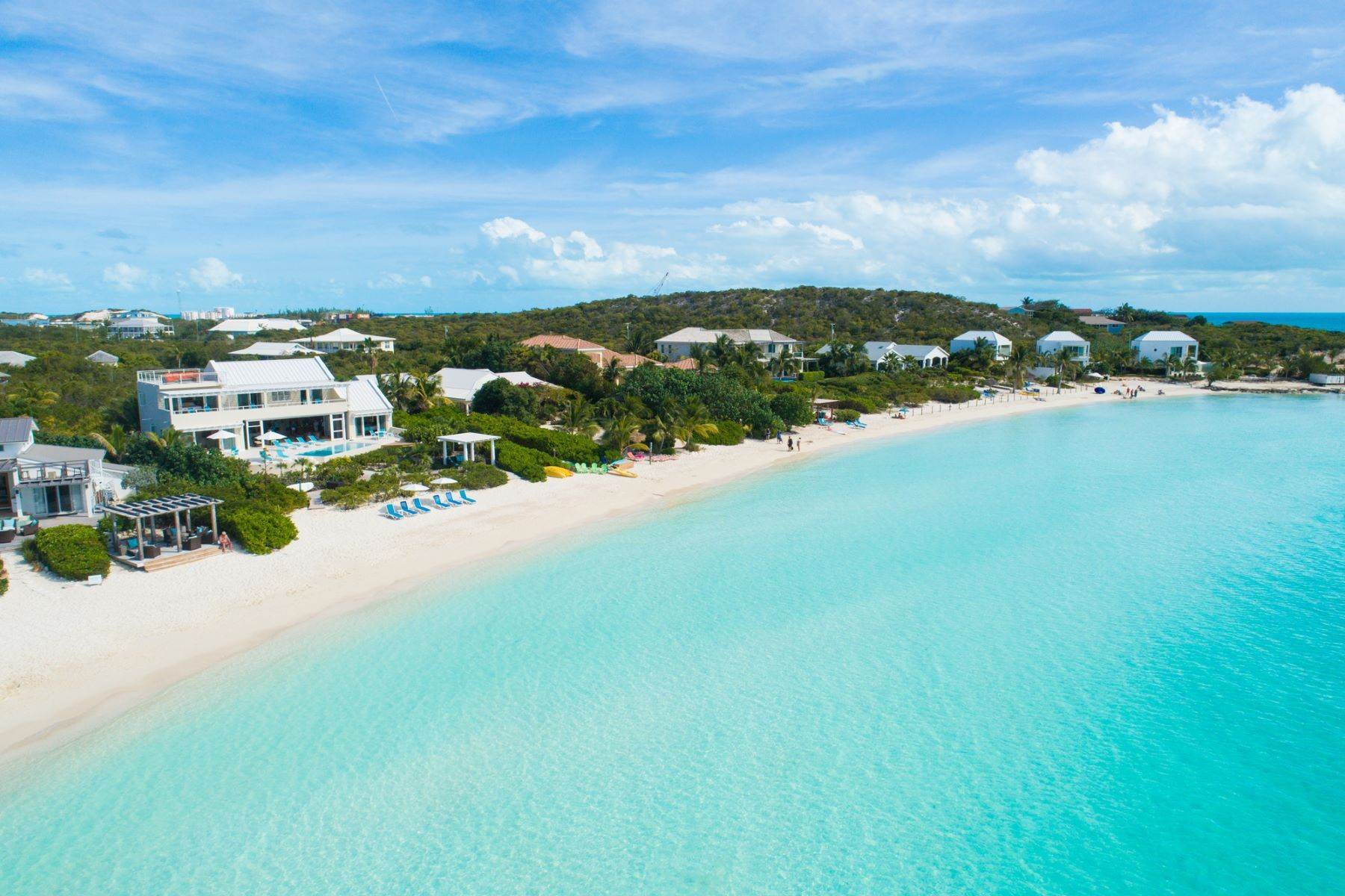 22. Single Family Homes for Sale at Sapodilla Bay, Providenciales Turks And Caicos Islands
