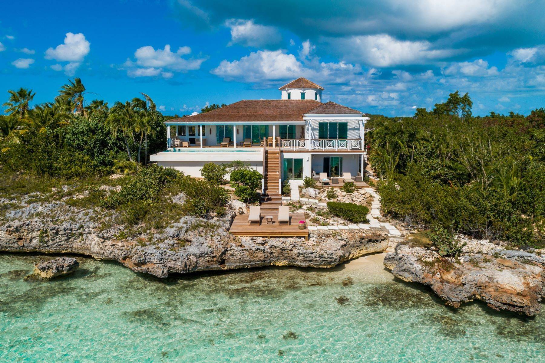 Single Family Homes à Oceanside Tower Vacation Rental Oceanfront, Oceanside Tower Silly Creek, Providenciales TCI Îles Turques-et-Caïques
