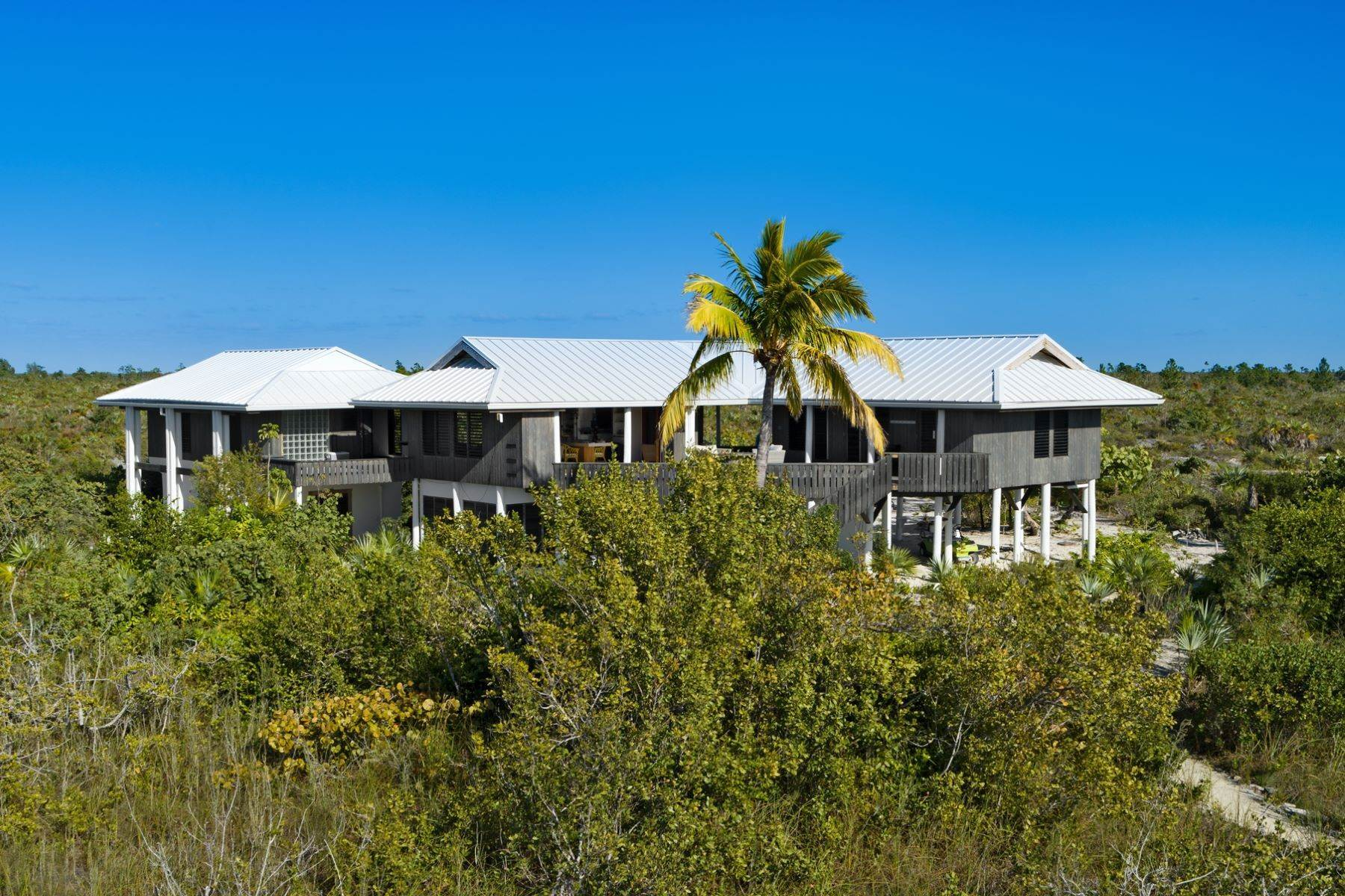 19. Single Family Homes for Sale at LEMONGRASS Pine Cay, Pine Cay Turks And Caicos Islands