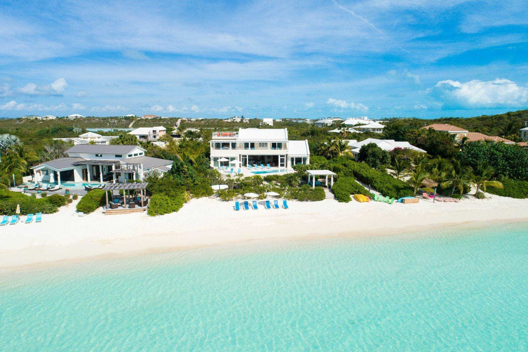 18. Single Family Homes for Sale at Sapodilla Bay, Providenciales Turks And Caicos Islands