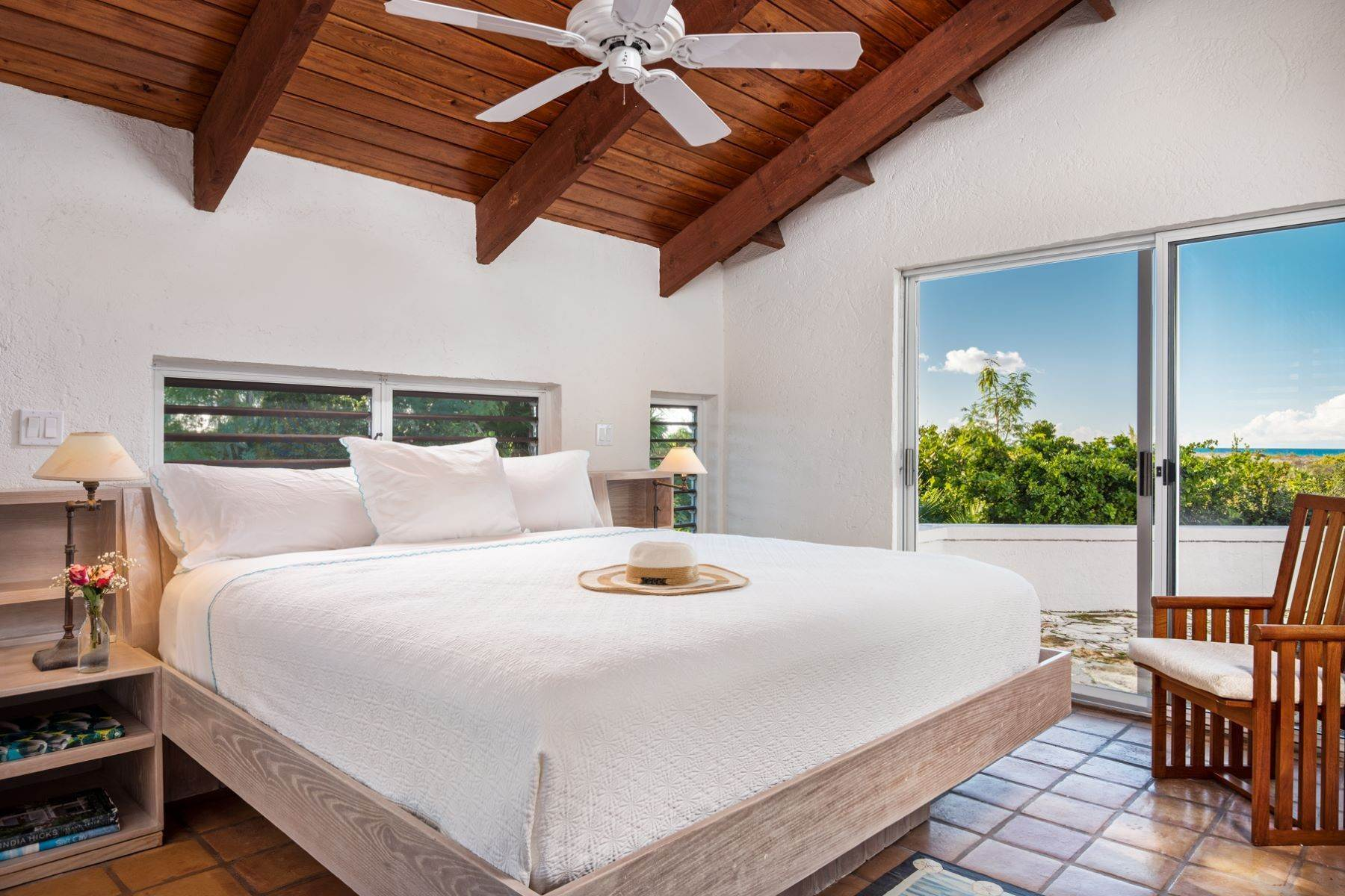 17. Single Family Homes for Sale at Casuarinas Cottage Pine Cay Pine Cay, Pine Cay TCI BWI Turks And Caicos Islands