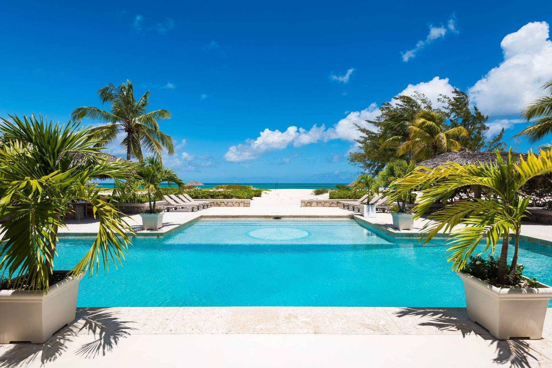 32. Single Family Homes for Sale at Casuarinas Cottage Pine Cay Pine Cay, Pine Cay TCI BWI Turks And Caicos Islands