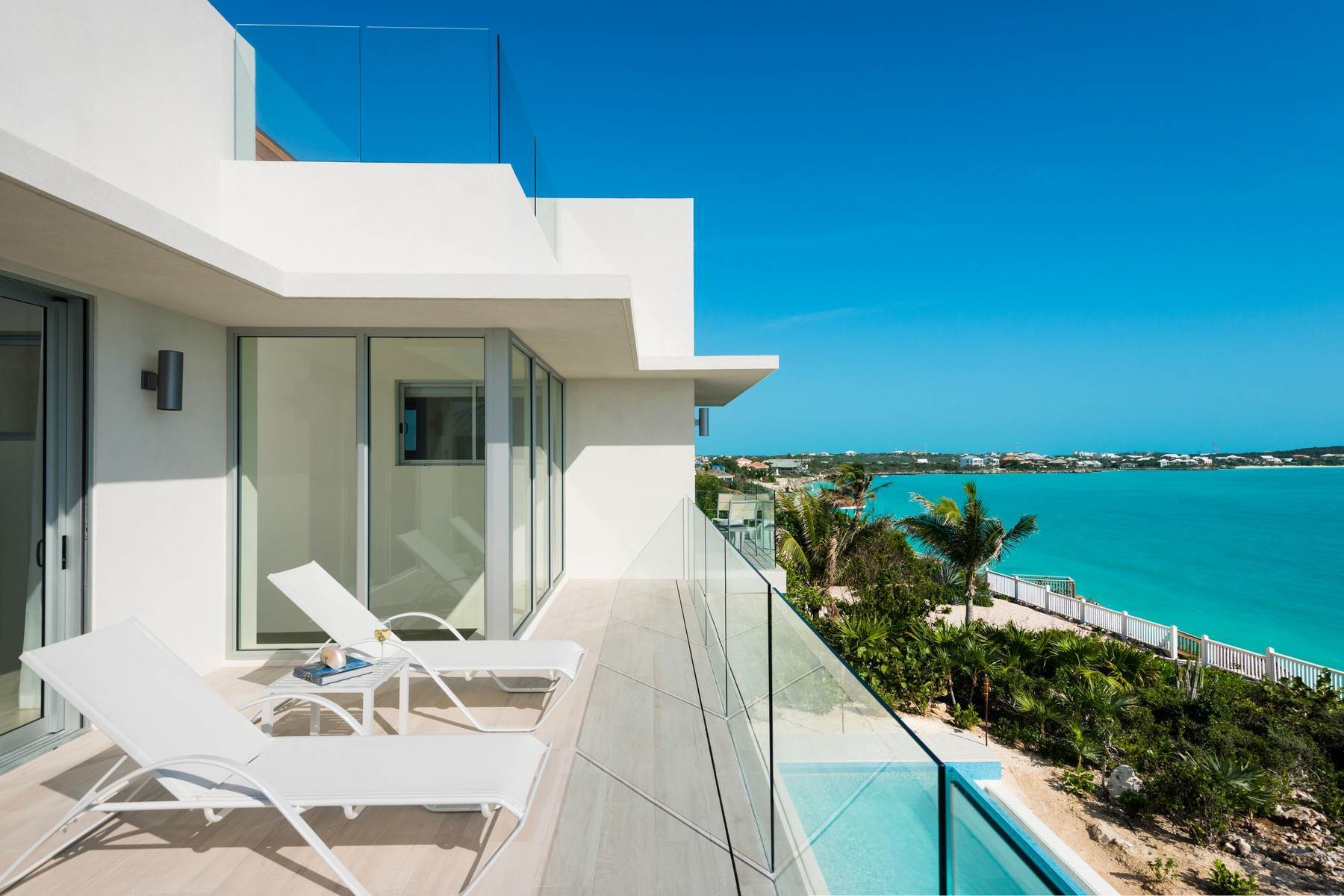 20. Single Family Homes for Sale at SOL Y LUNA Sapodilla Bay, Providenciales Turks And Caicos Islands