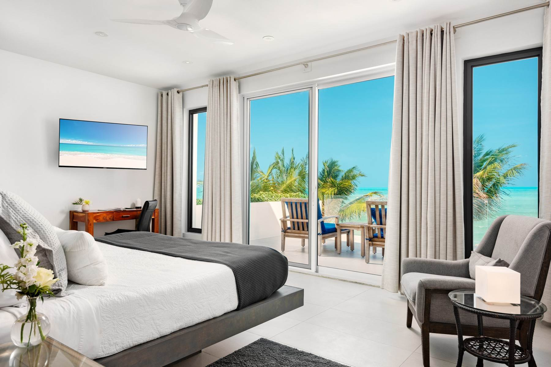 10. Single Family Homes for Sale at Tip Of The Tail Villa Turtle Tail, Providenciales Turks And Caicos Islands