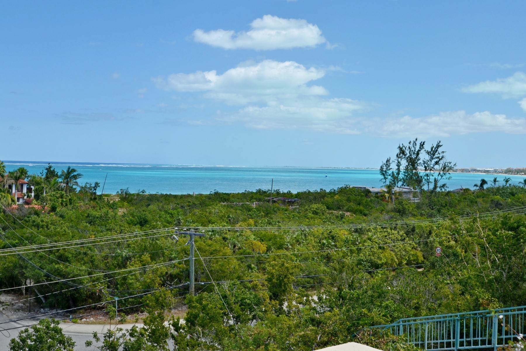 7. Single Family Homes for Sale at Coral View Villa Richmond Hill, Providenciales Turks And Caicos Islands