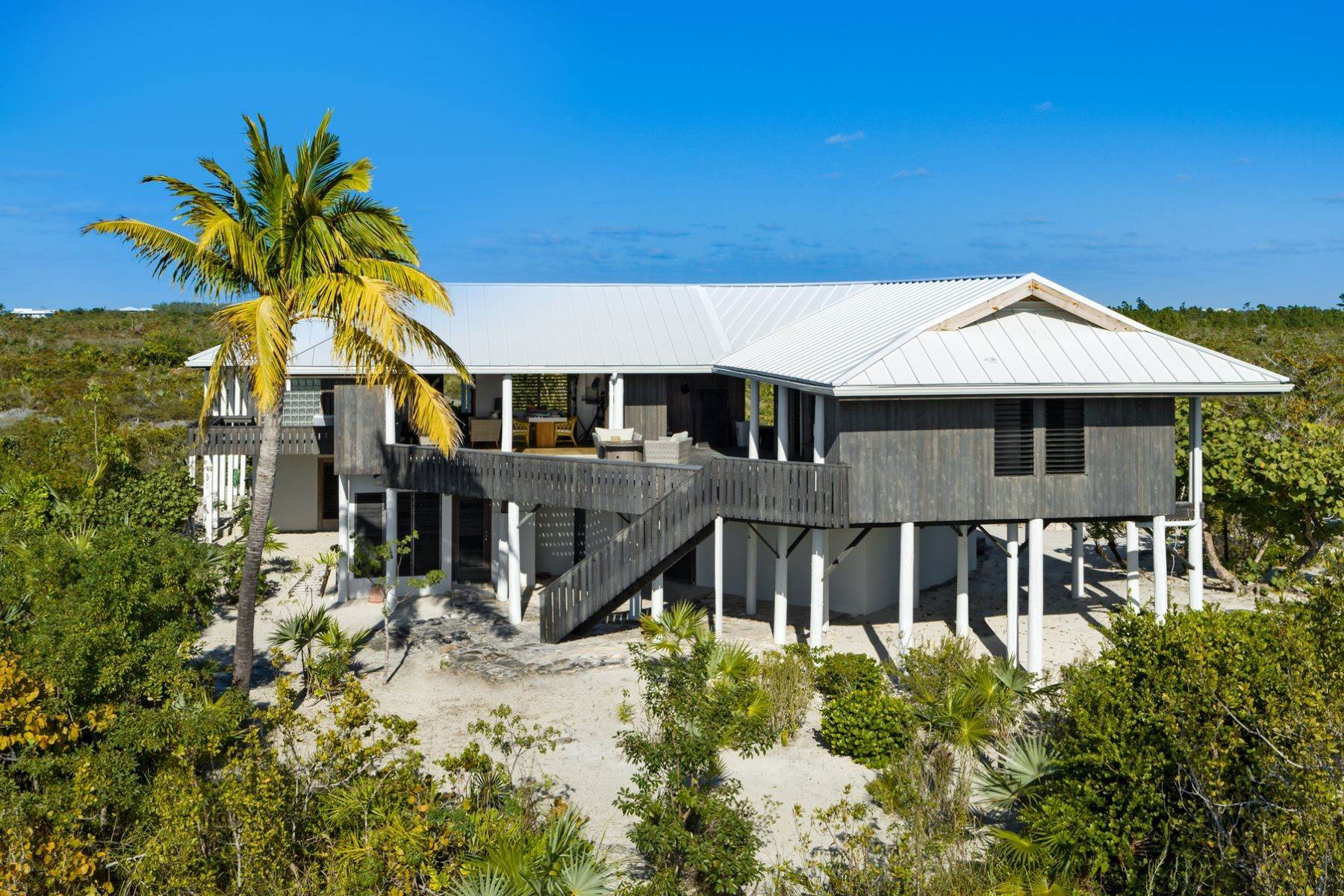 22. Single Family Homes for Sale at LEMONGRASS Pine Cay, Pine Cay Turks And Caicos Islands