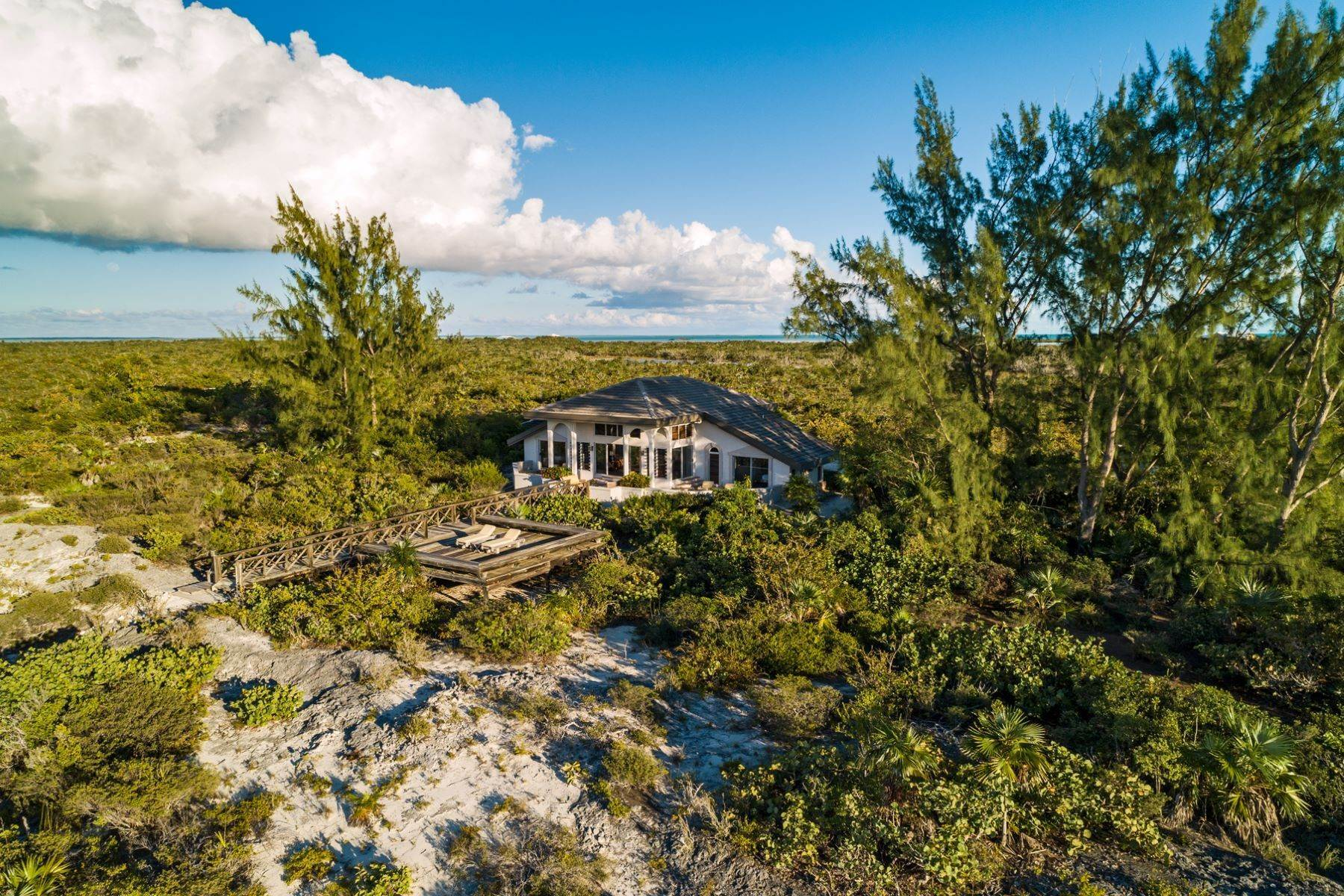 21. Single Family Homes for Sale at Casuarinas Cottage Pine Cay Pine Cay, Pine Cay TCI BWI Turks And Caicos Islands