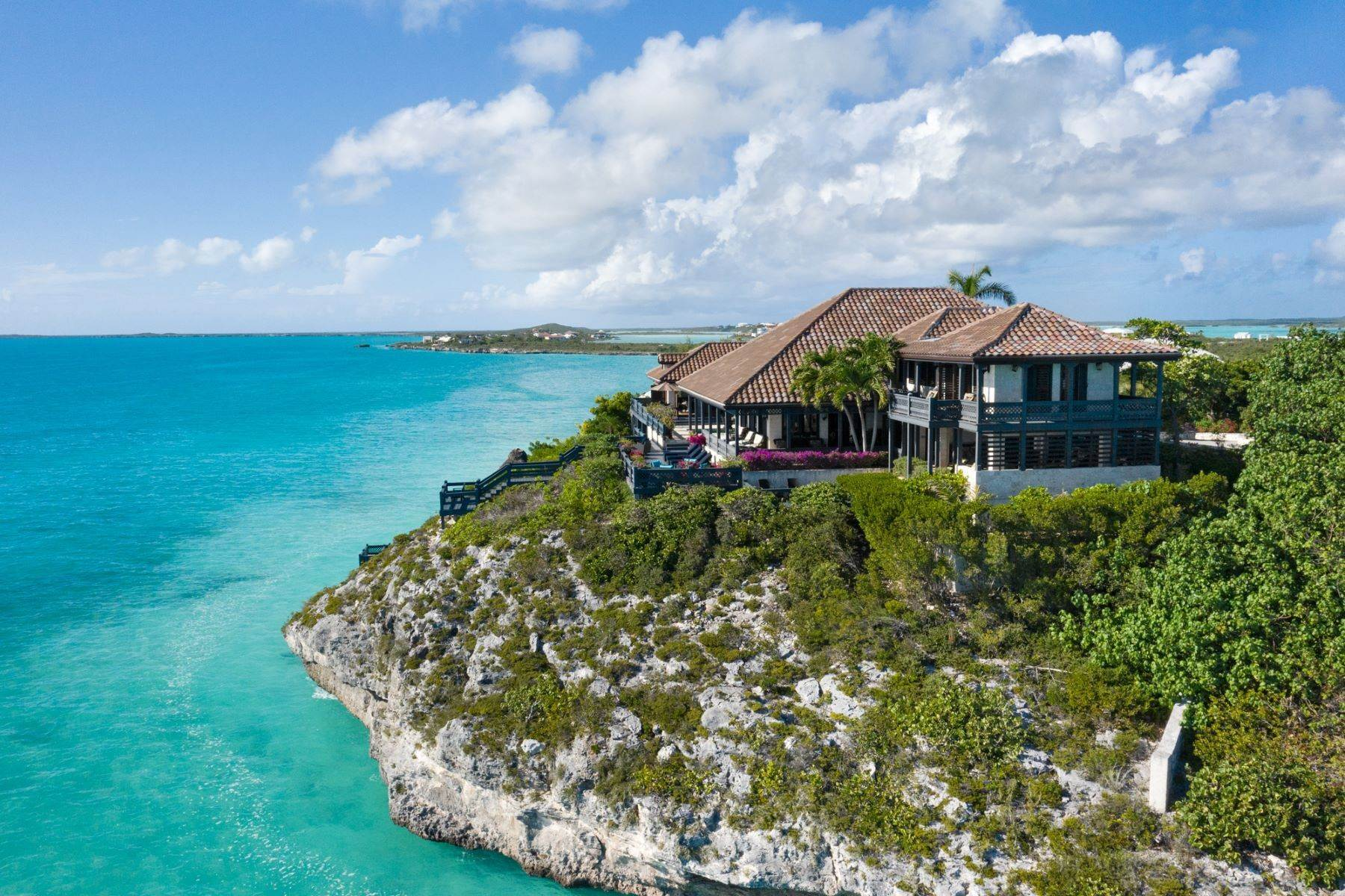 35. Single Family Homes pour l Vente à Villa Sea Cliff Sapodilla Bay, Providenciales Îles Turques-et-Caïques