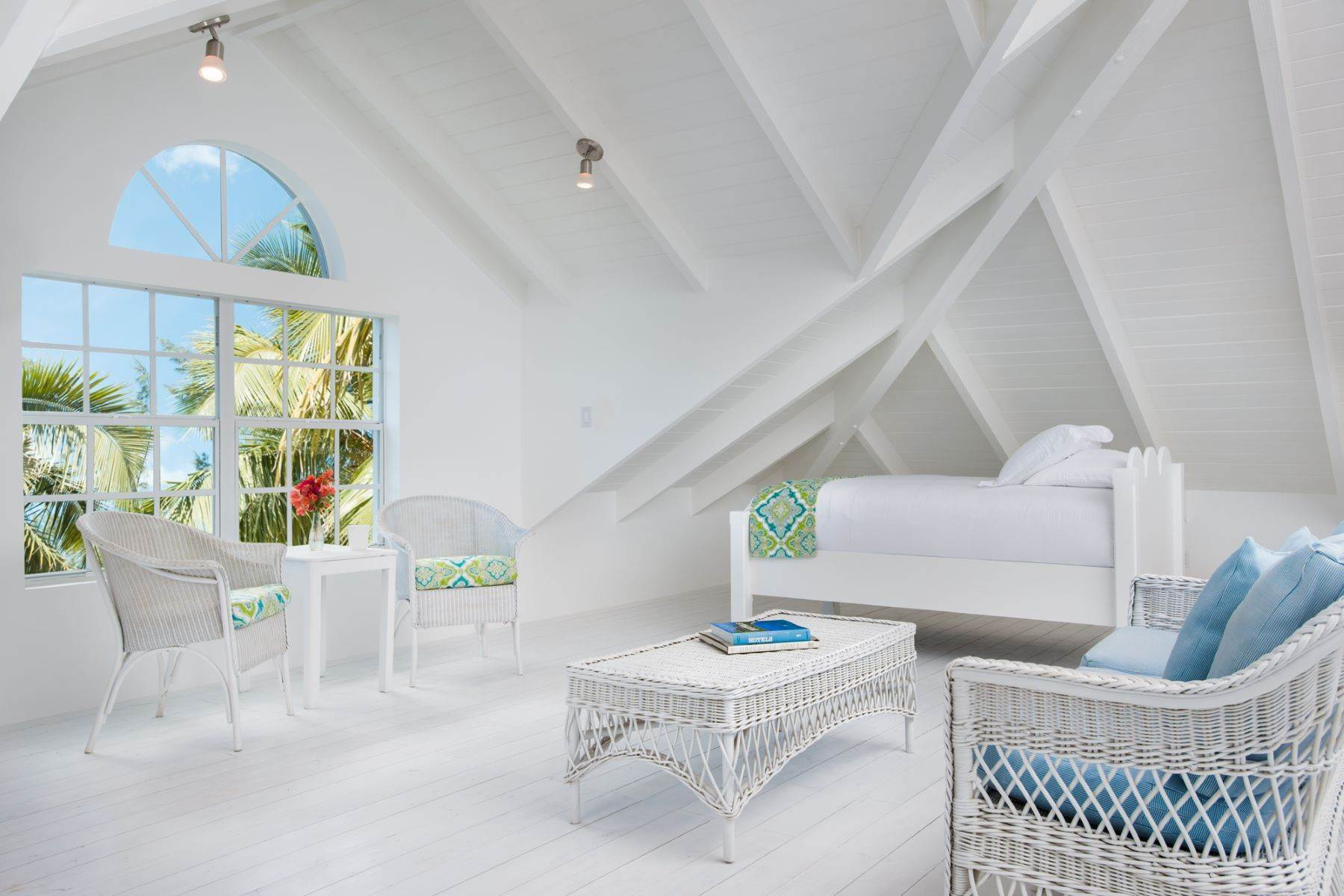 37. Single Family Homes for Sale at Grace Too Grace Bay, Providenciales Turks And Caicos Islands