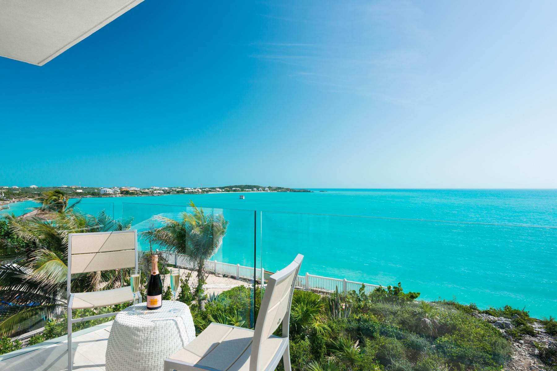 17. Single Family Homes for Sale at SOL Y LUNA Sapodilla Bay, Providenciales Turks And Caicos Islands
