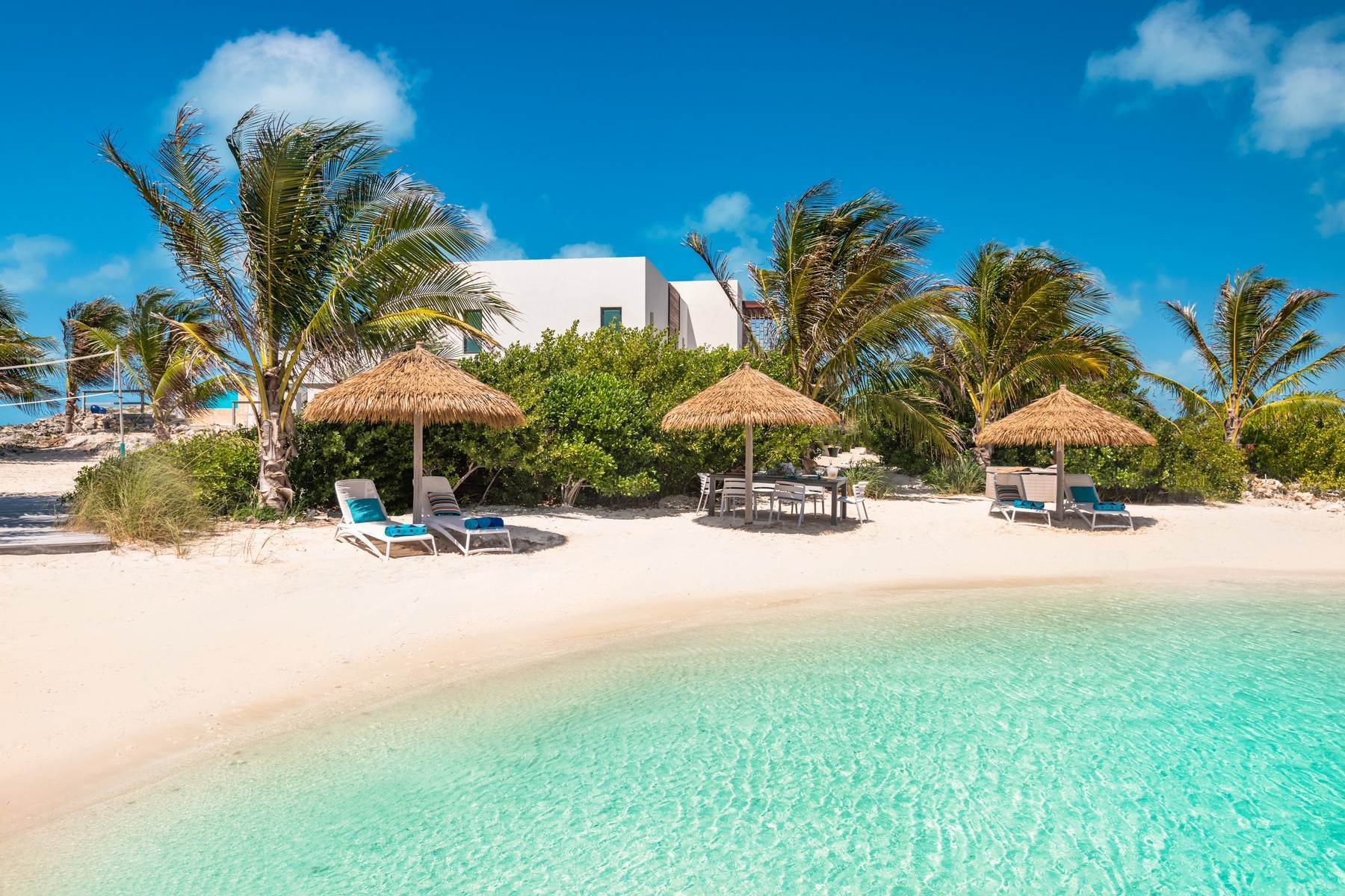 22. Single Family Homes for Sale at Tip Of The Tail Villa Turtle Tail, Providenciales Turks And Caicos Islands
