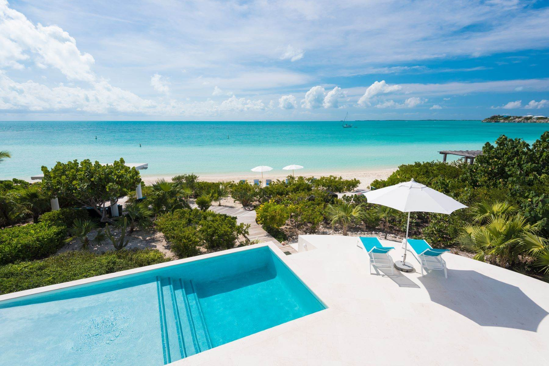 24. Single Family Homes for Sale at Sapodilla Bay, Providenciales Turks And Caicos Islands