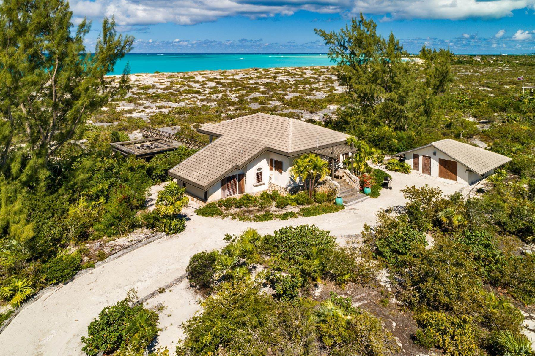 22. Single Family Homes for Sale at Casuarinas Cottage Pine Cay Pine Cay, Pine Cay TCI BWI Turks And Caicos Islands
