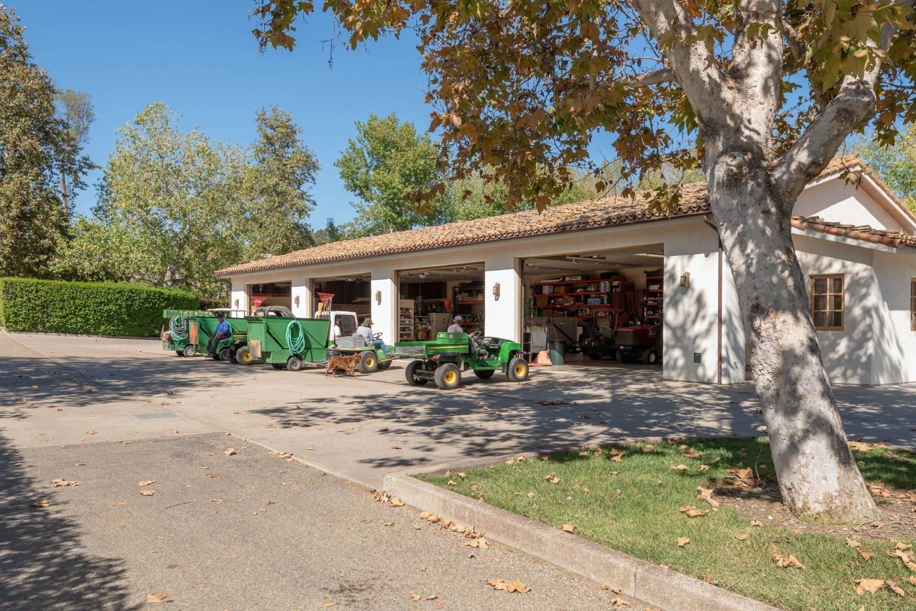 27. Farm and Ranch Properties for Sale at 16401 Calle Feliz, Rancho Santa Fe, Ca, 92067 16401 Calle Feliz Rancho Santa Fe, California 92067 United States