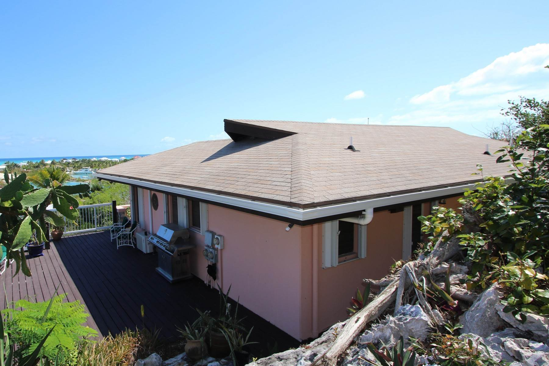 13. Single Family Homes for Sale at Turtle Cove, Providenciales Turks And Caicos Islands