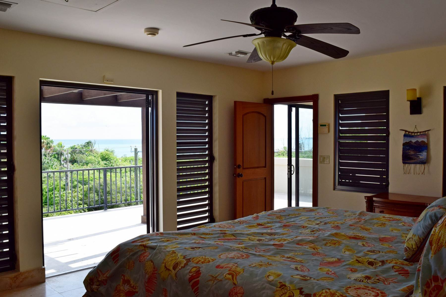16. Single Family Homes for Sale at Coral View Villa Richmond Hill, Providenciales Turks And Caicos Islands