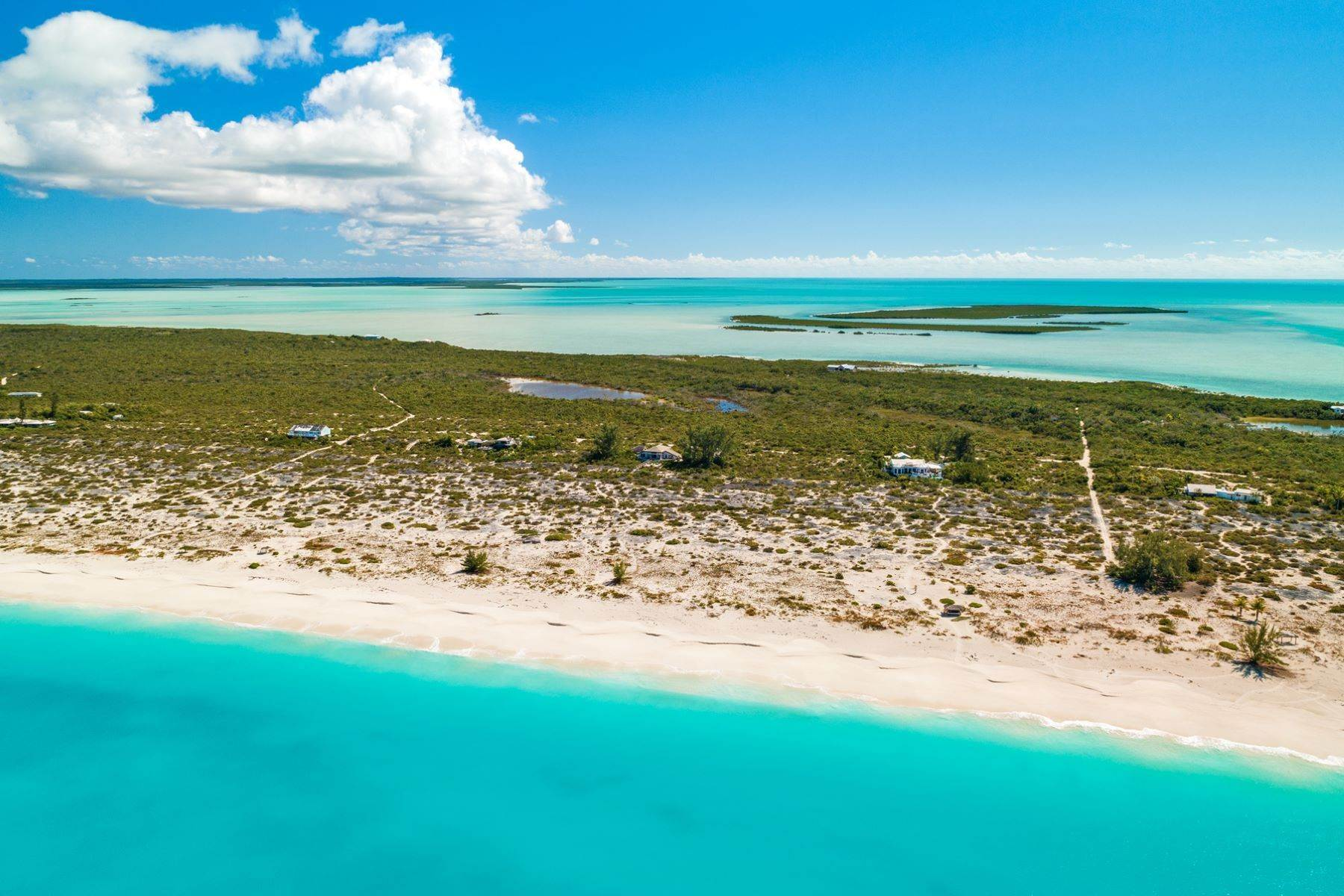 29. Single Family Homes for Sale at Casuarinas Cottage Pine Cay Pine Cay, Pine Cay TCI BWI Turks And Caicos Islands