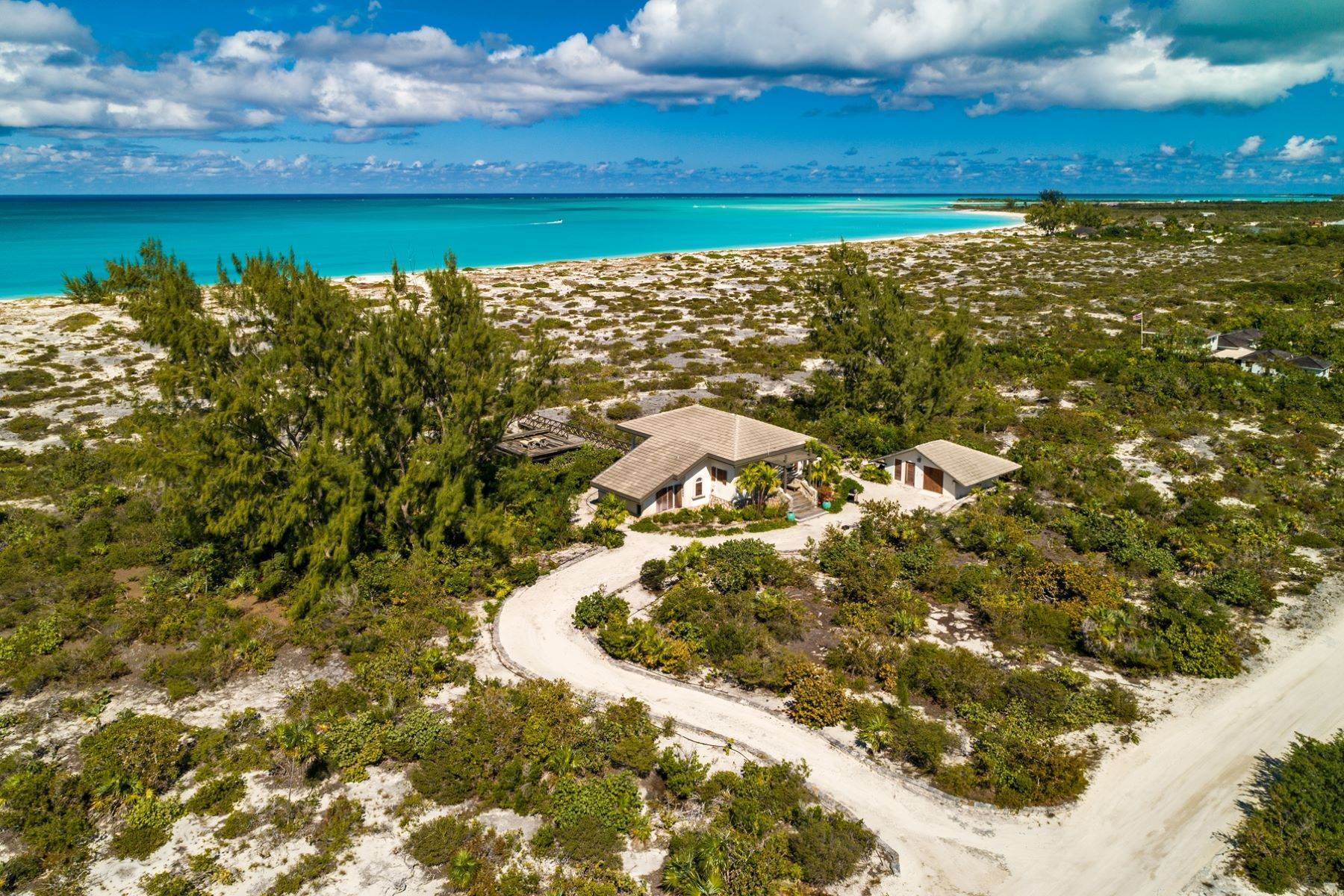 24. Single Family Homes for Sale at Casuarinas Cottage Pine Cay Pine Cay, Pine Cay TCI BWI Turks And Caicos Islands