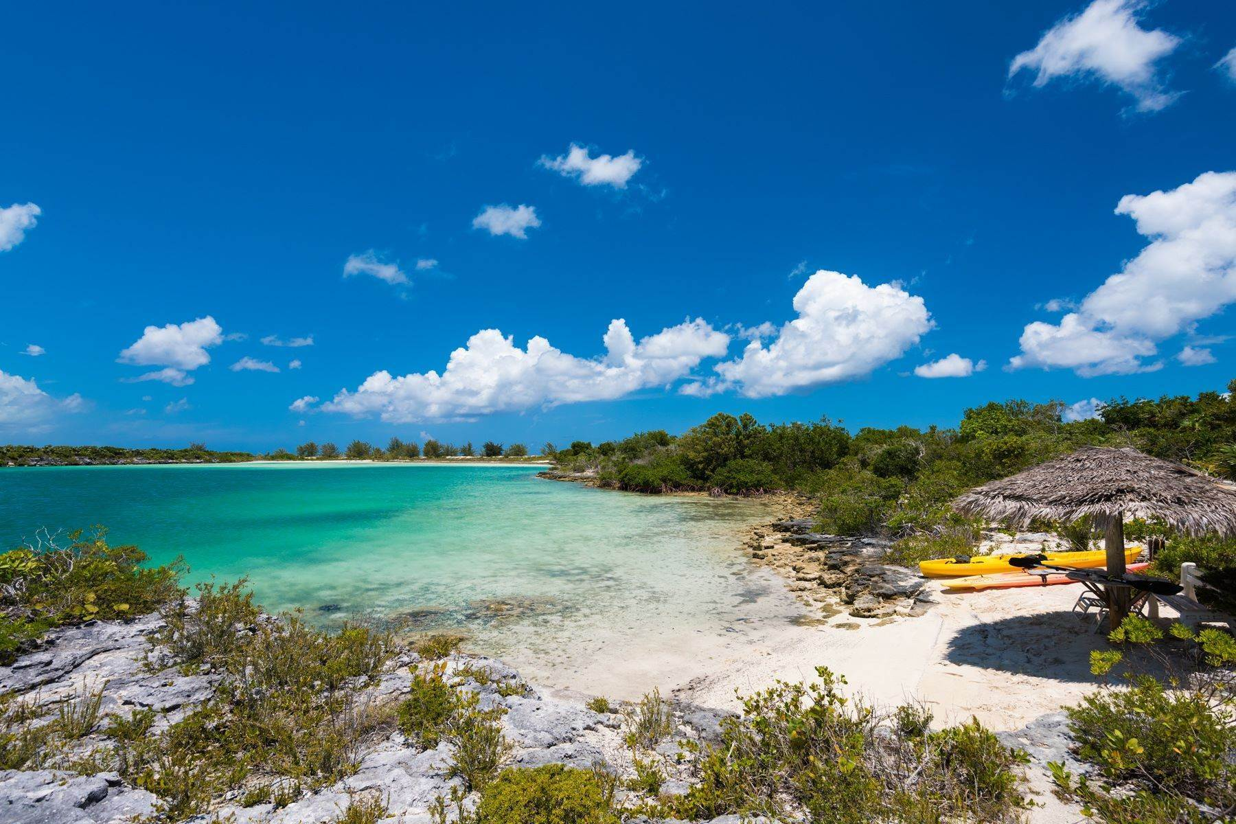 37. Single Family Homes for Sale at Casuarinas Cottage Pine Cay Pine Cay, Pine Cay TCI BWI Turks And Caicos Islands